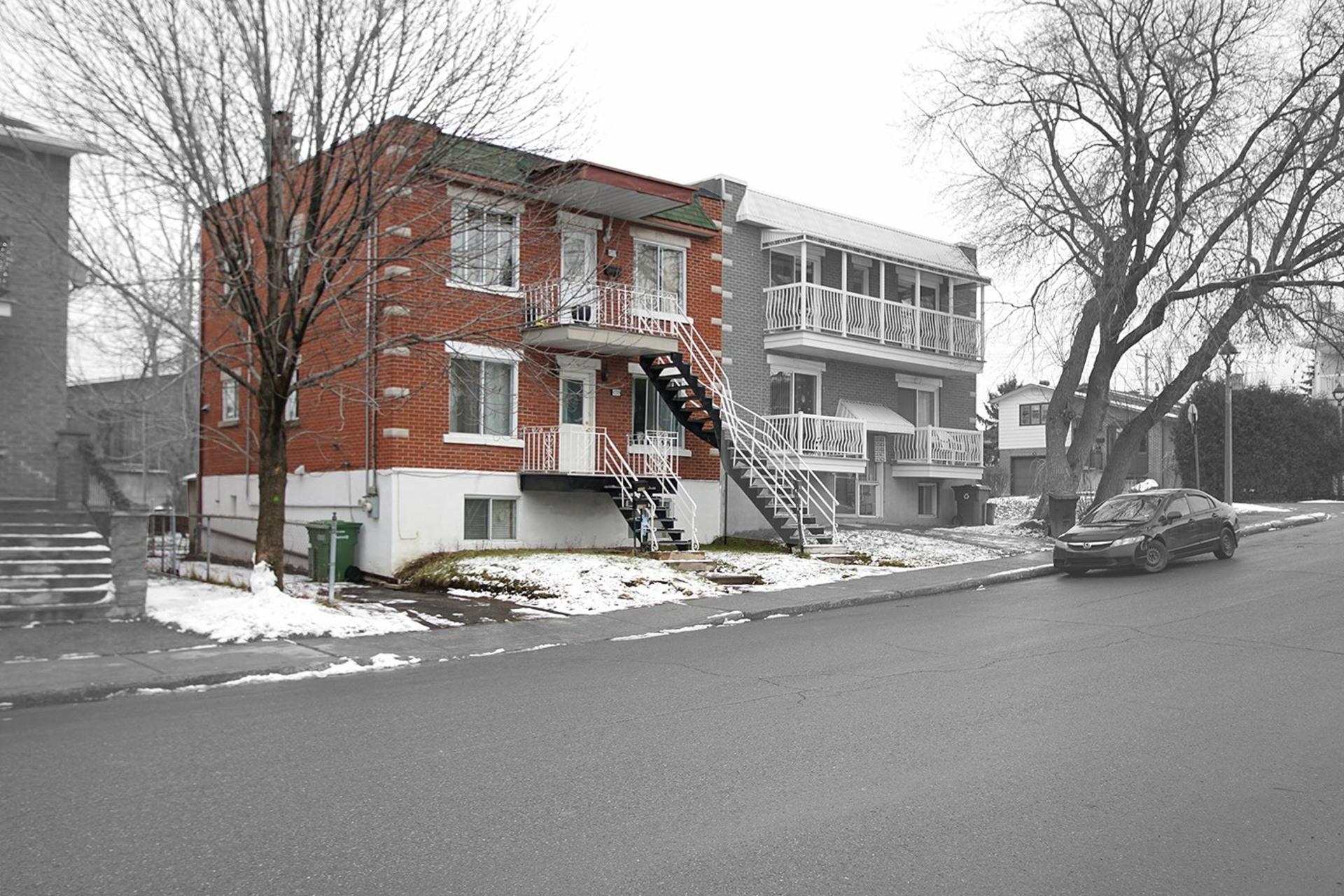 image 1 - Duplex For sale Rivière-des-Prairies/Pointe-aux-Trembles Montréal  - 4 rooms
