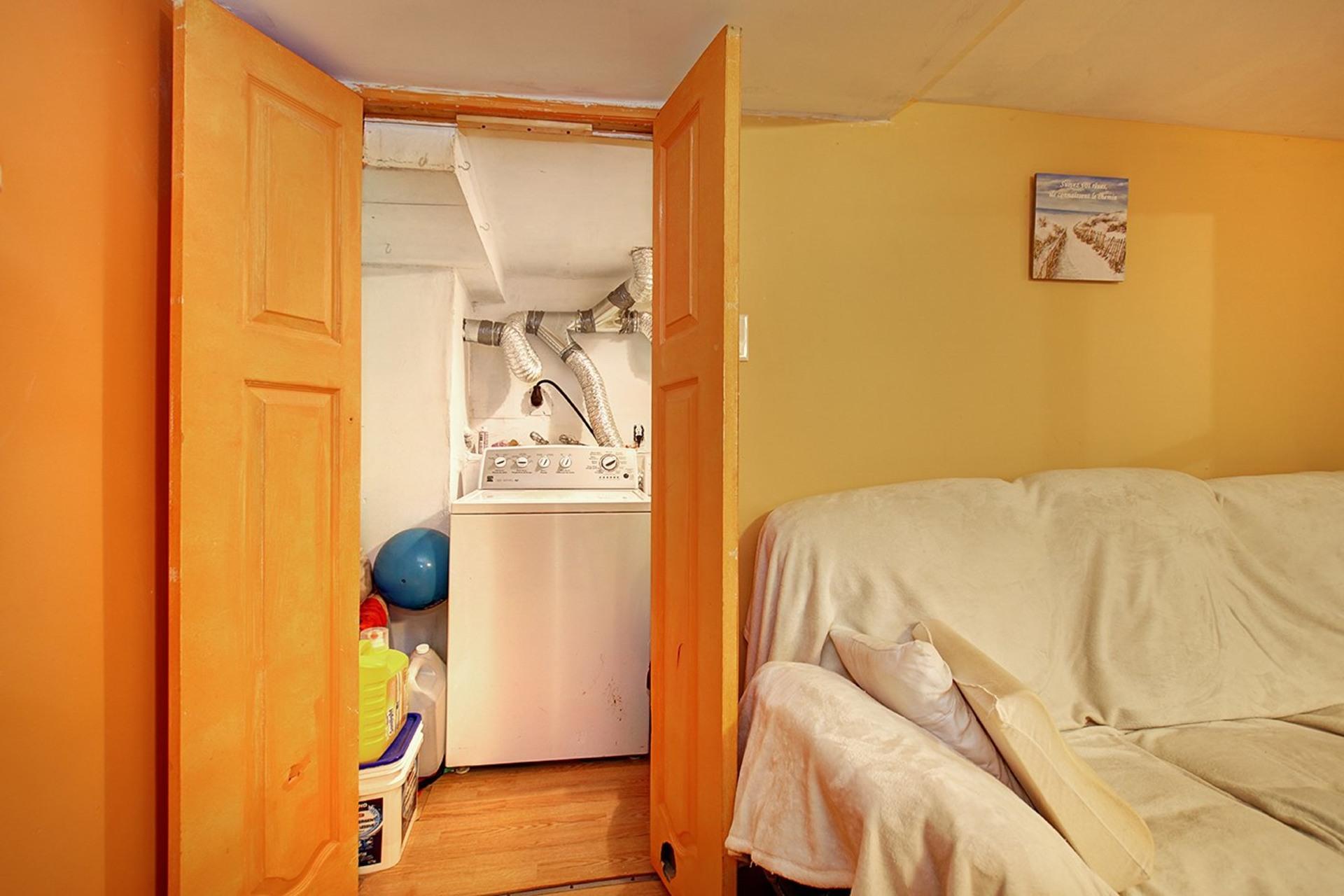 image 26 - Duplex For sale Rivière-des-Prairies/Pointe-aux-Trembles Montréal  - 4 rooms