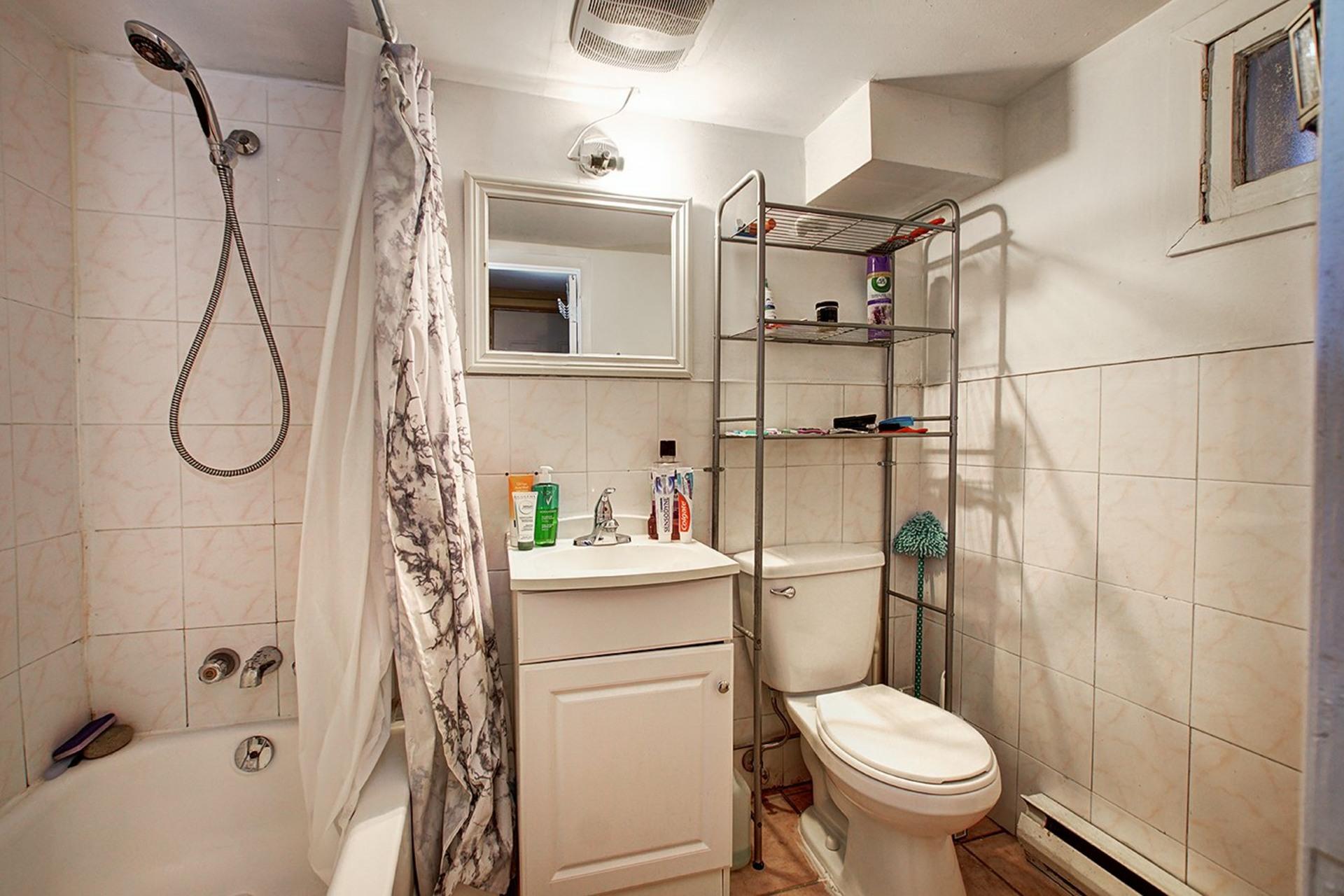 image 30 - Duplex For sale Rivière-des-Prairies/Pointe-aux-Trembles Montréal  - 4 rooms
