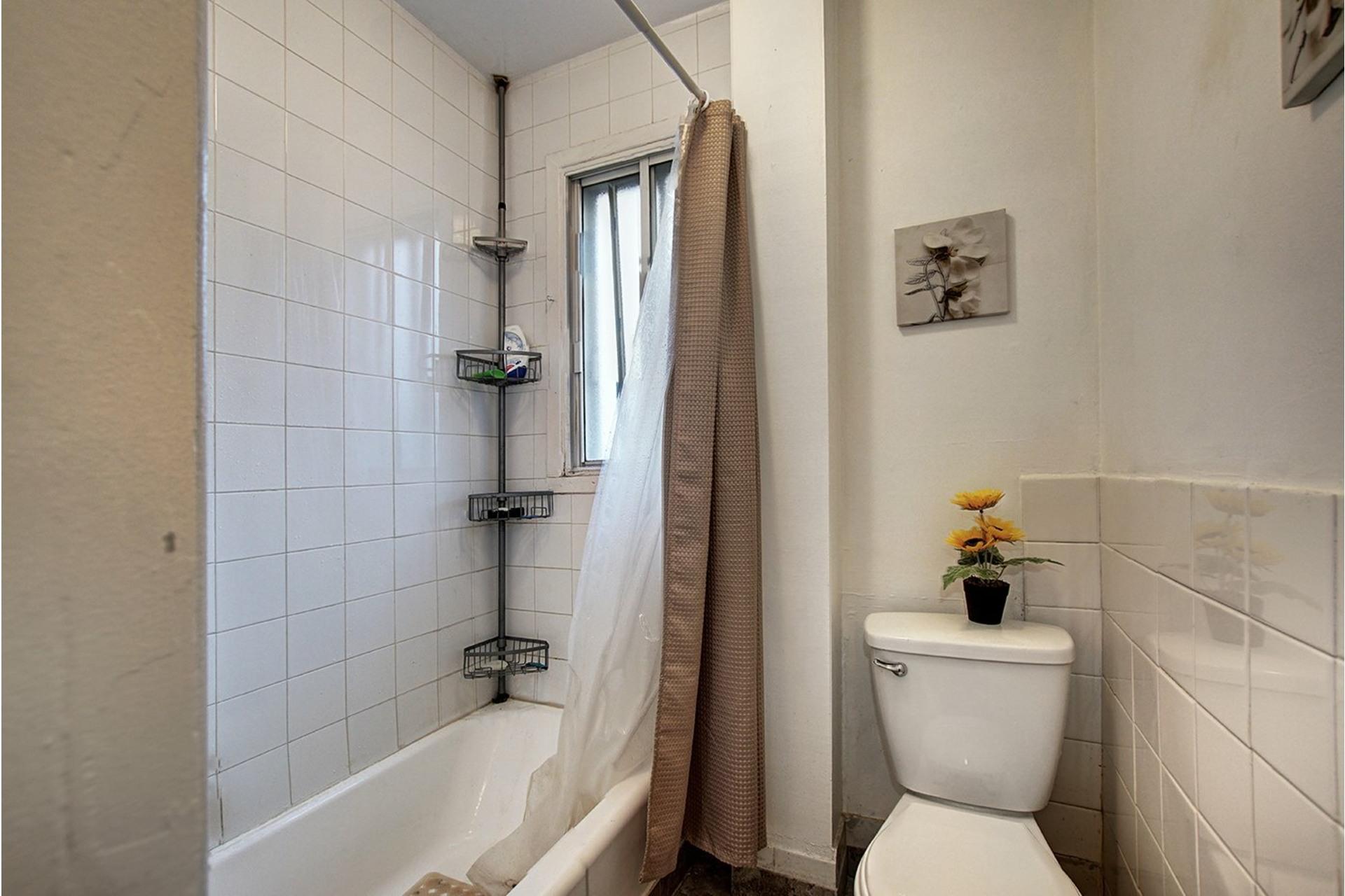 image 10 - Duplex For sale Rivière-des-Prairies/Pointe-aux-Trembles Montréal  - 4 rooms