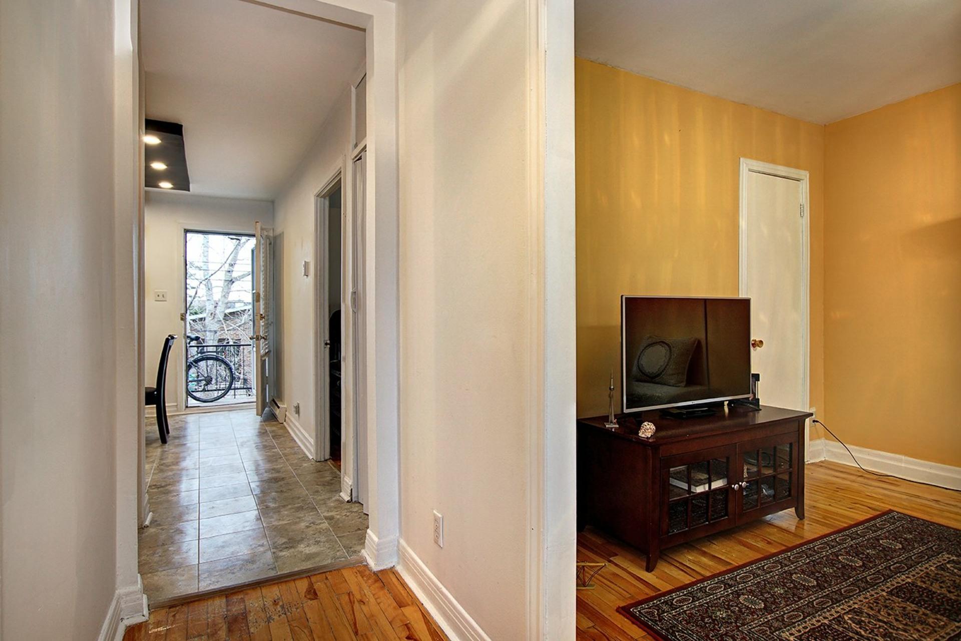image 11 - Duplex For sale Rivière-des-Prairies/Pointe-aux-Trembles Montréal  - 4 rooms