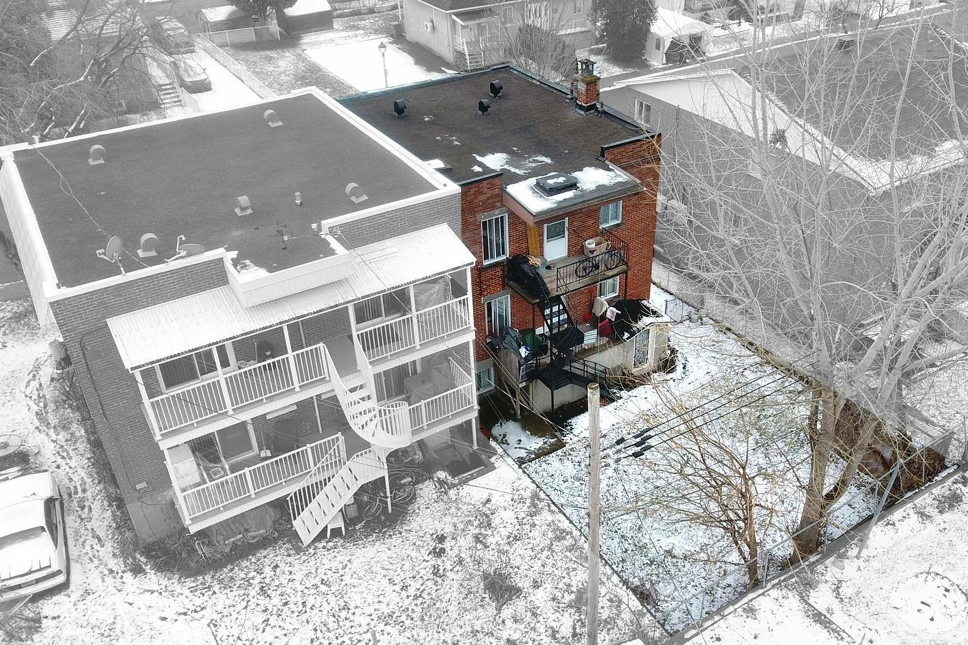 image 40 - Duplex For sale Rivière-des-Prairies/Pointe-aux-Trembles Montréal  - 4 rooms