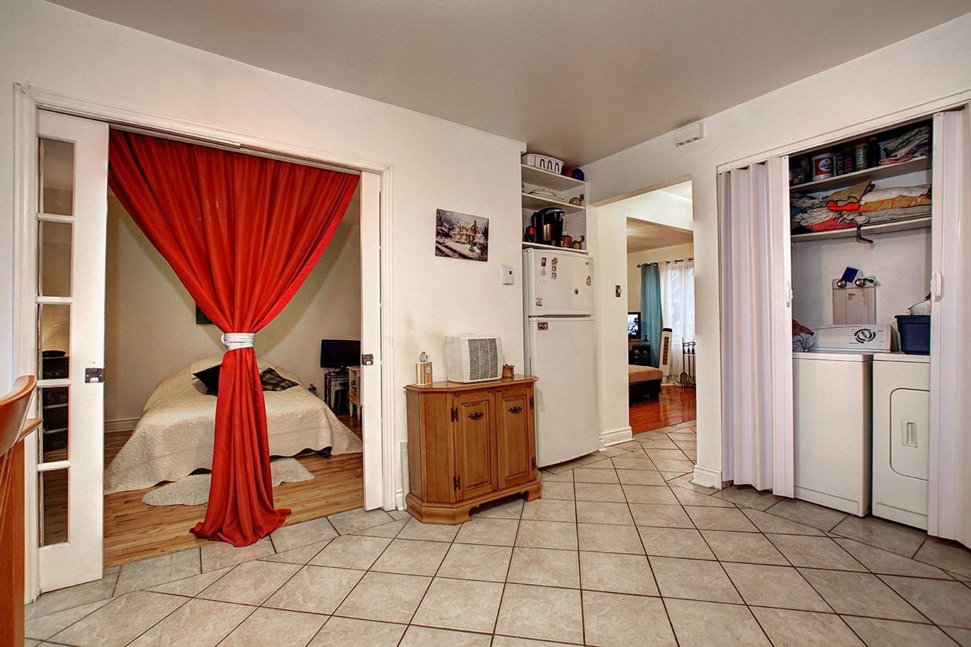 image 18 - Duplex For sale Rivière-des-Prairies/Pointe-aux-Trembles Montréal  - 4 rooms