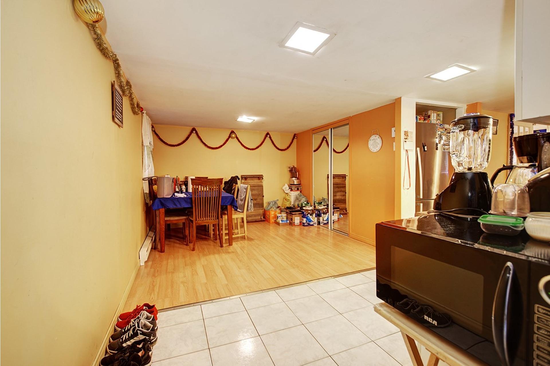 image 23 - Duplex For sale Rivière-des-Prairies/Pointe-aux-Trembles Montréal  - 4 rooms