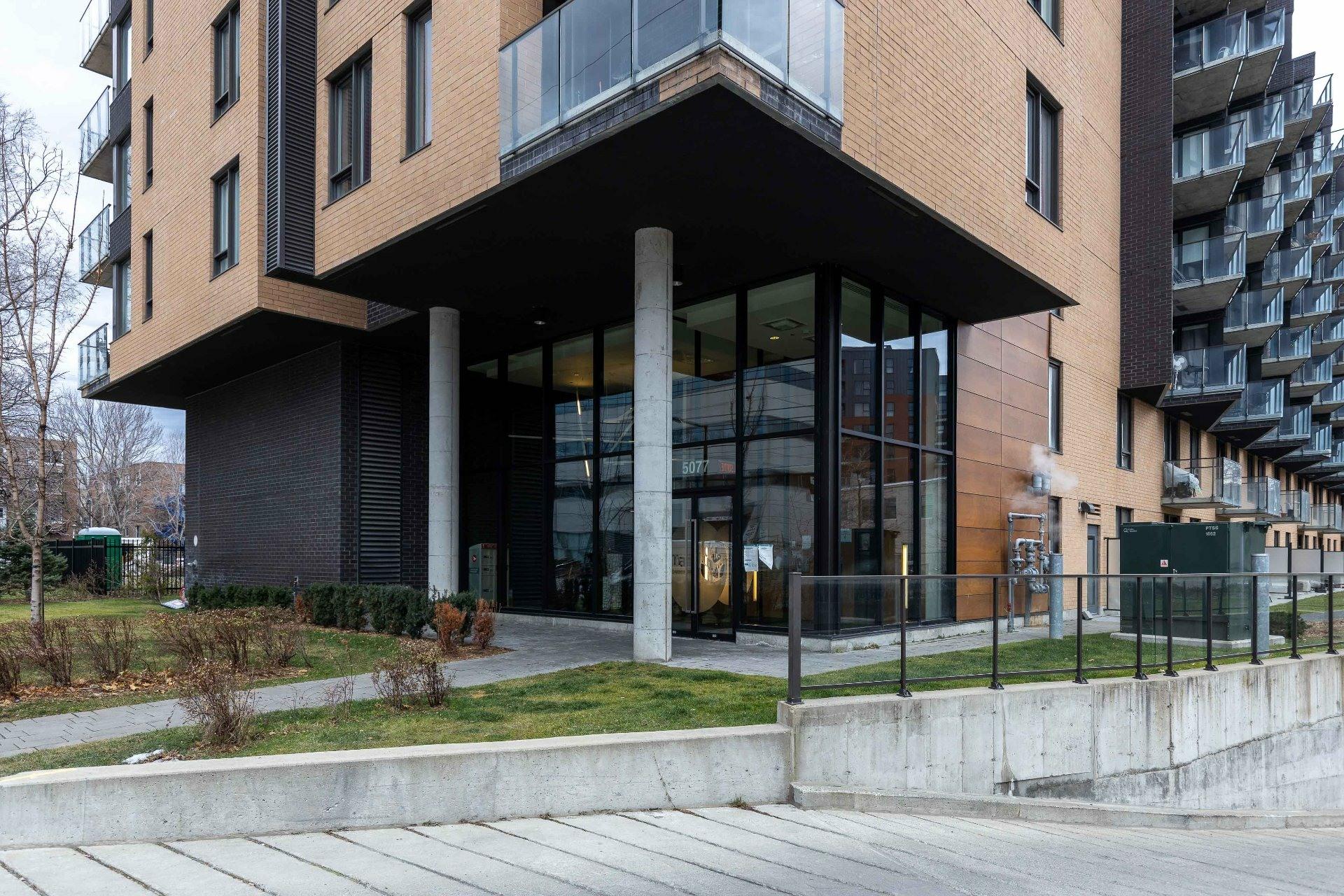 image 13 - Appartement À vendre Côte-des-Neiges/Notre-Dame-de-Grâce Montréal  - 5 pièces