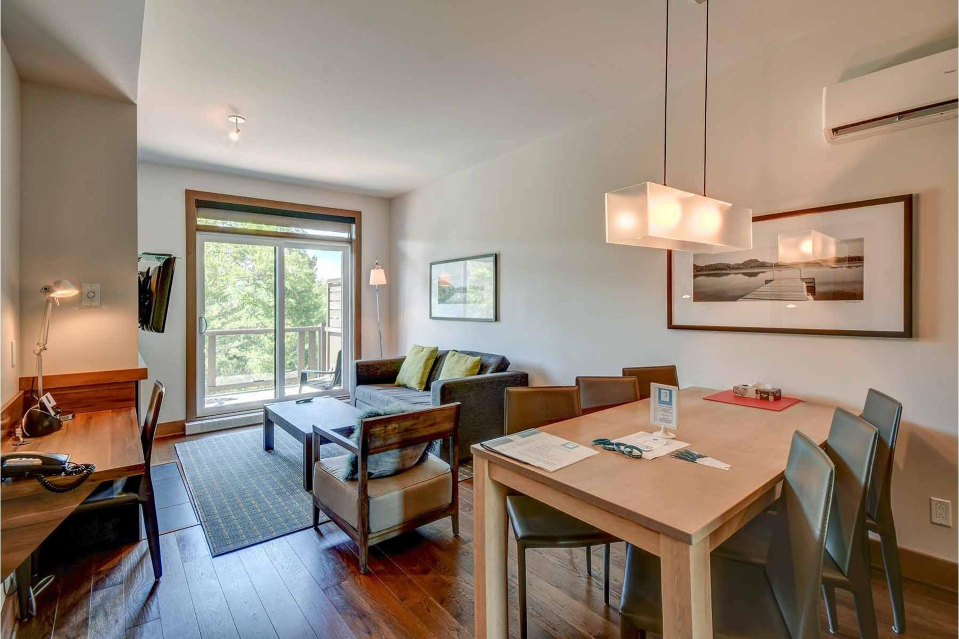 image 1 - Appartement À vendre Lac-Supérieur - 6 pièces