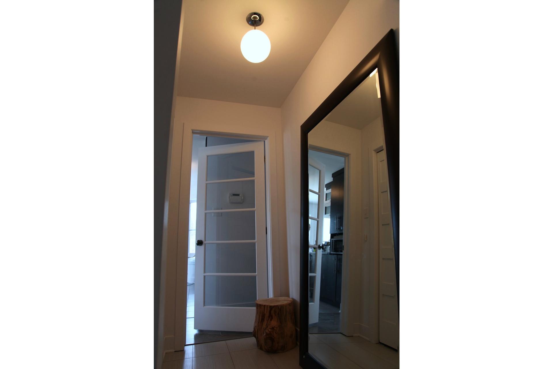 image 2 - Appartement À vendre Saint-Jérôme - 8 pièces