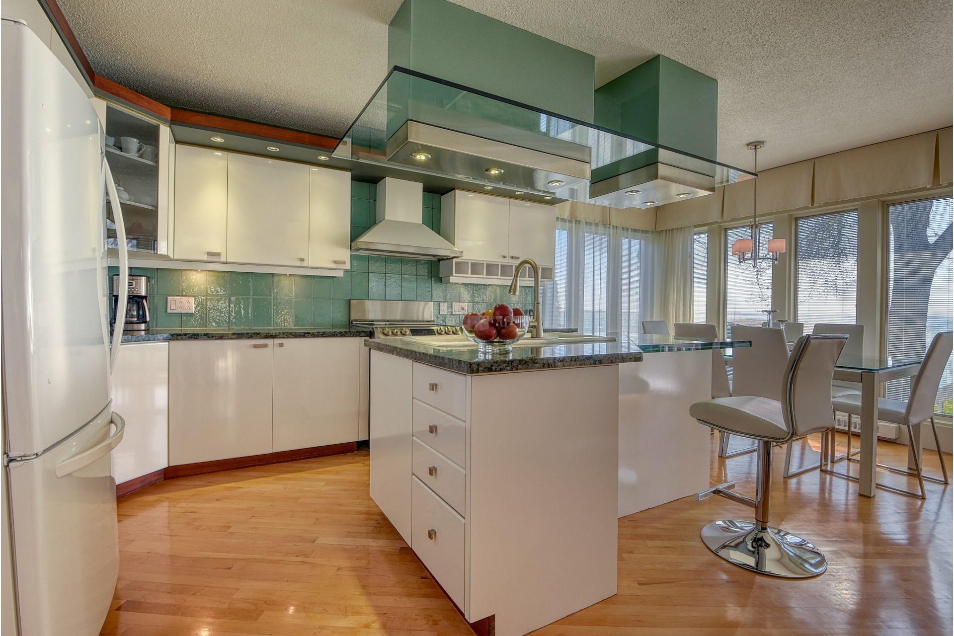 image 10 - House For sale Saint-Zotique - 14 rooms