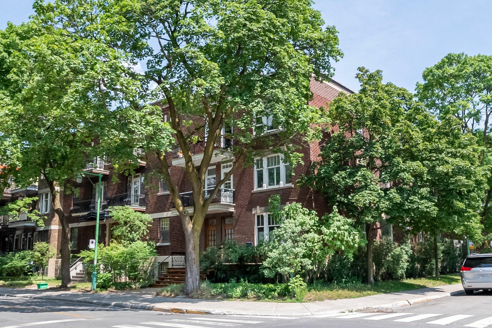 image 0 - Appartement À vendre Outremont Montréal  - 9 pièces