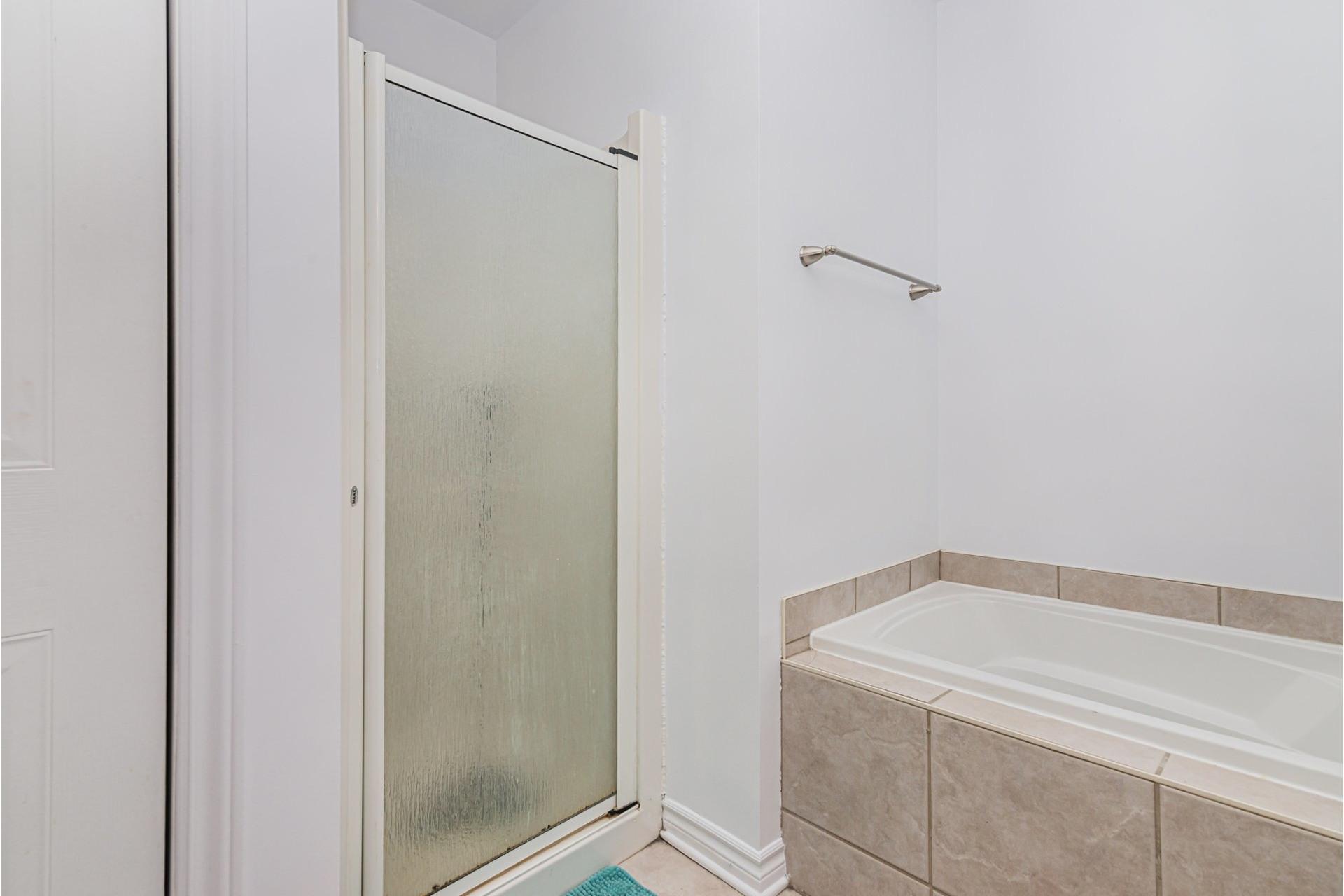 image 10 - Appartement À vendre Mercier/Hochelaga-Maisonneuve Montréal  - 4 pièces