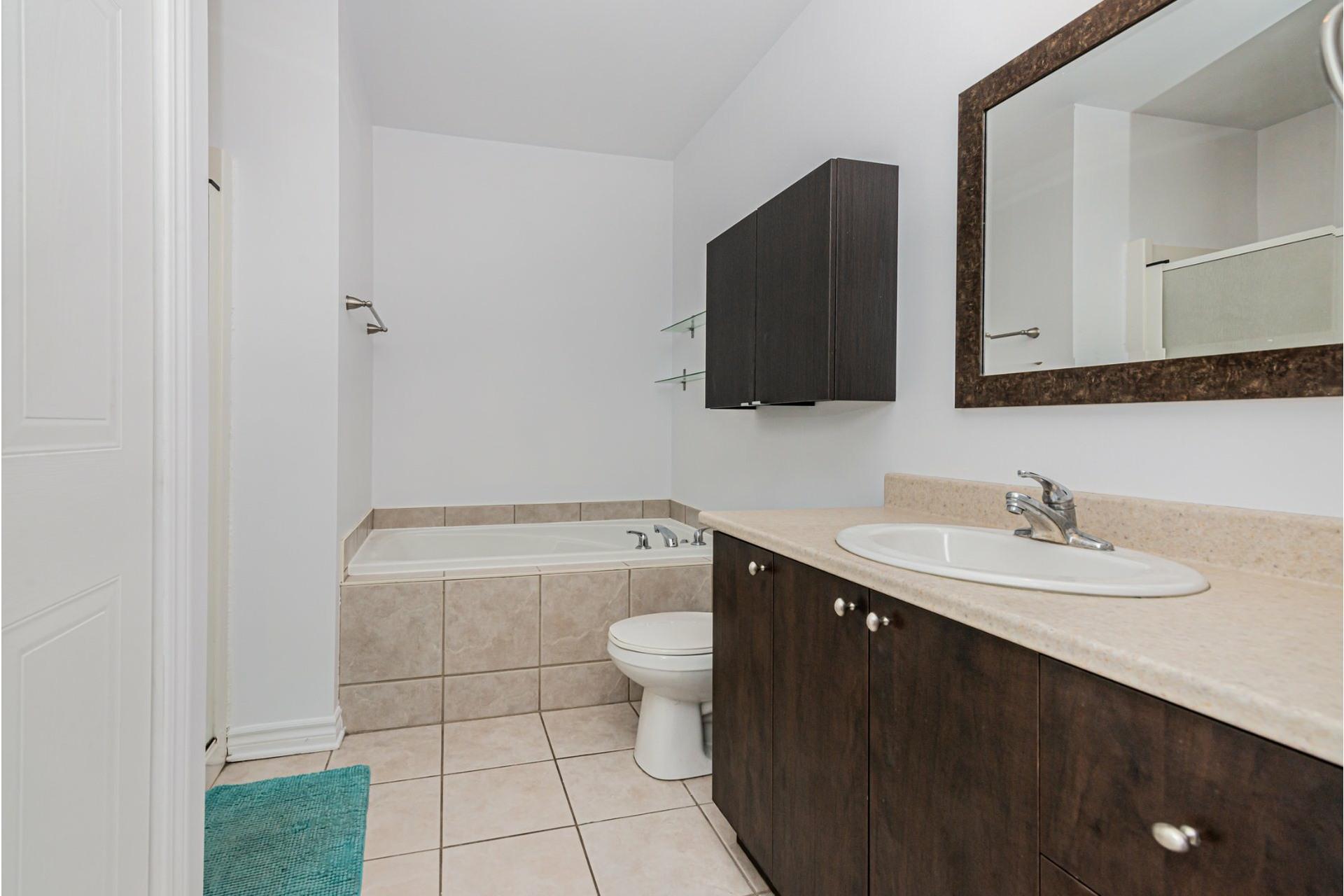 image 8 - Appartement À vendre Mercier/Hochelaga-Maisonneuve Montréal  - 4 pièces