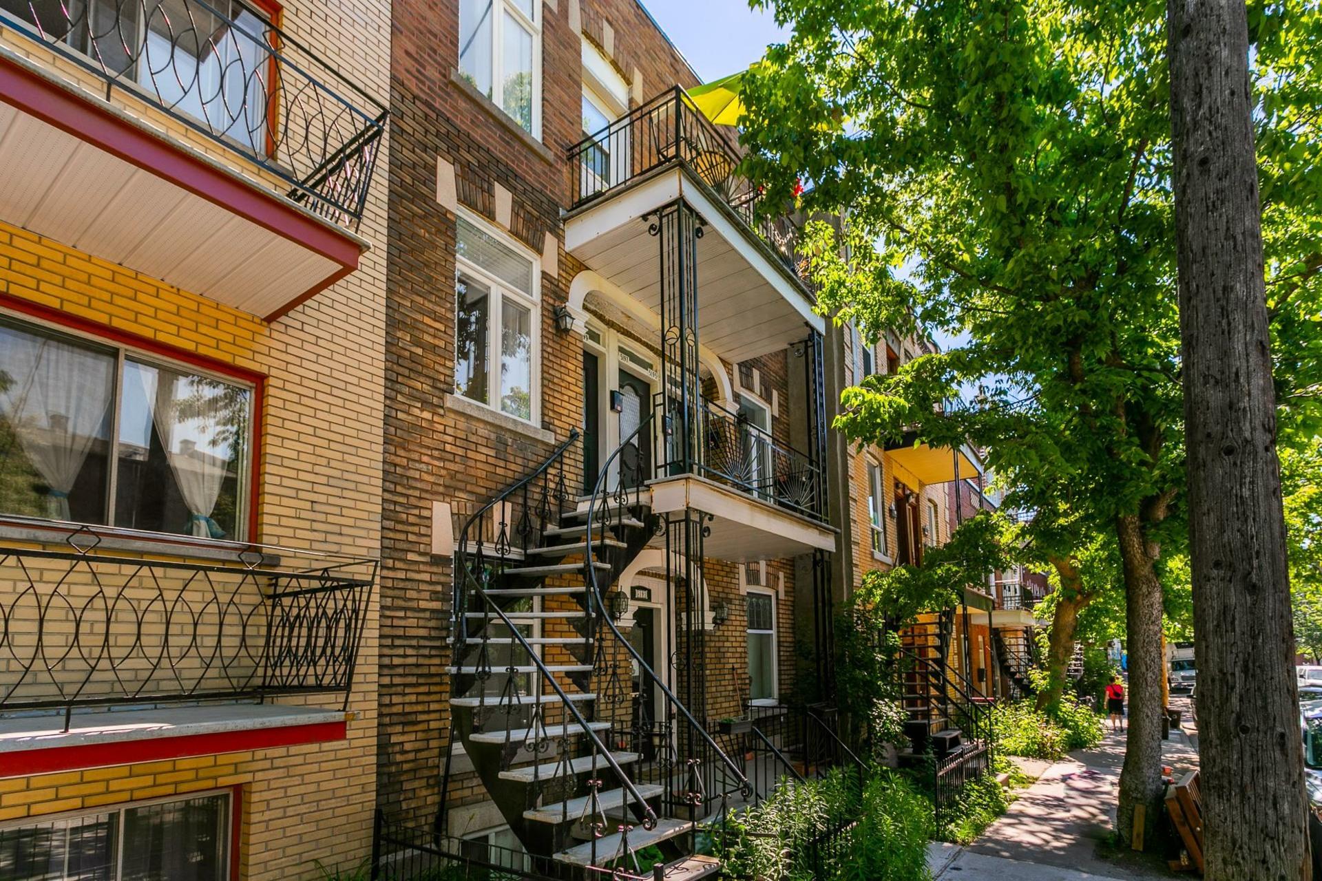 image 0 - Appartement À vendre Le Plateau-Mont-Royal Montréal  - 4 pièces