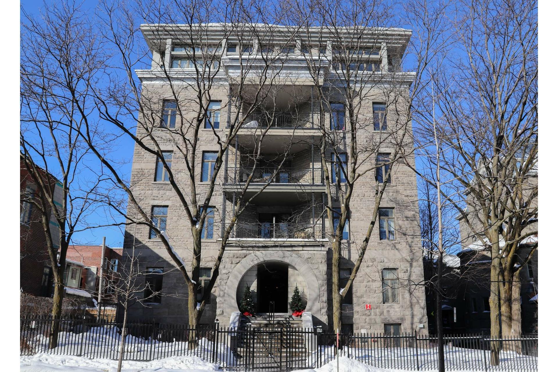 image 0 - Appartement À louer Le Plateau-Mont-Royal Montréal  - 5 pièces