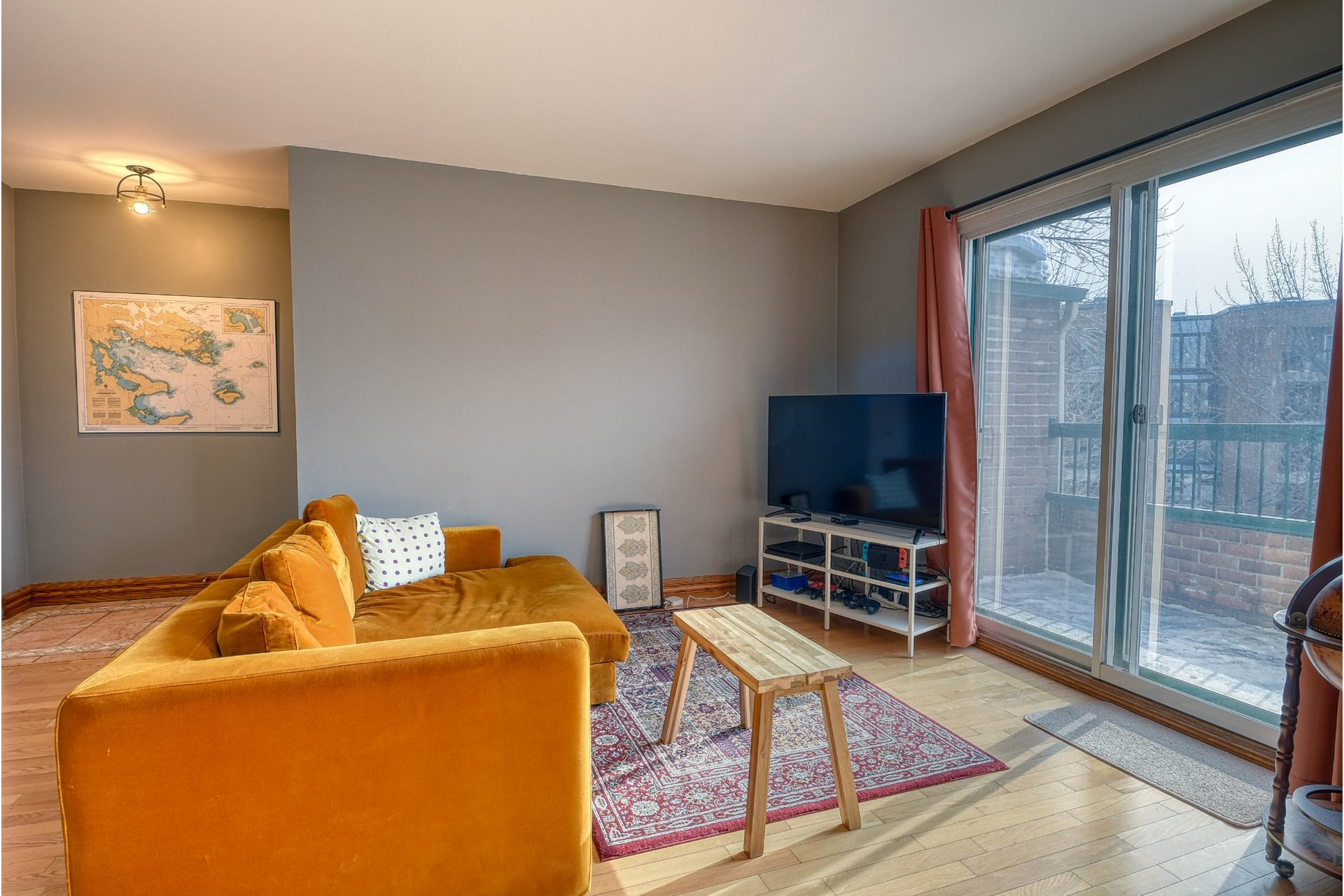 image 2 - Appartement À vendre Mercier/Hochelaga-Maisonneuve Montréal  - 6 pièces