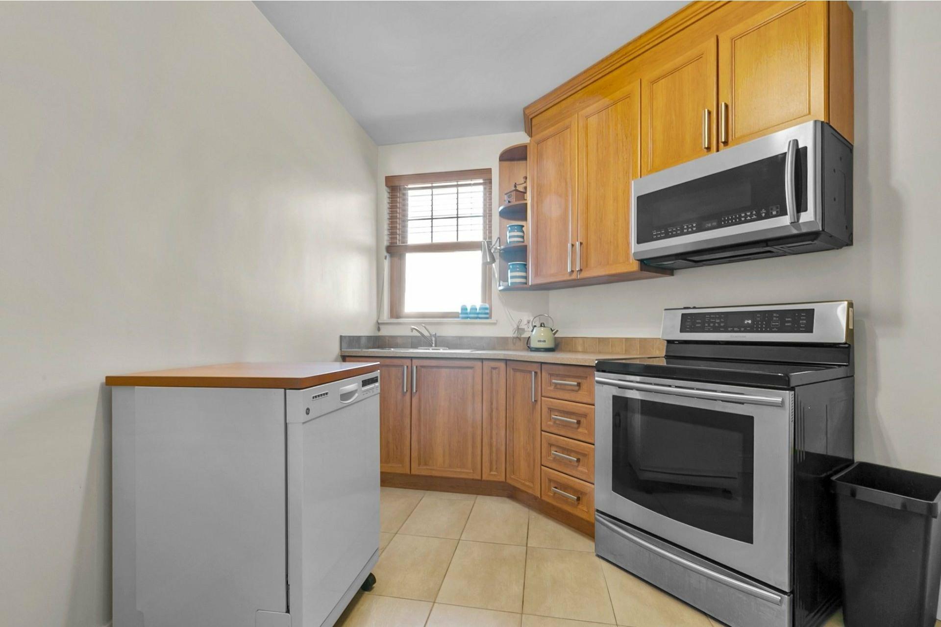 image 11 - Appartement À vendre Côte-des-Neiges/Notre-Dame-de-Grâce Montréal  - 7 pièces