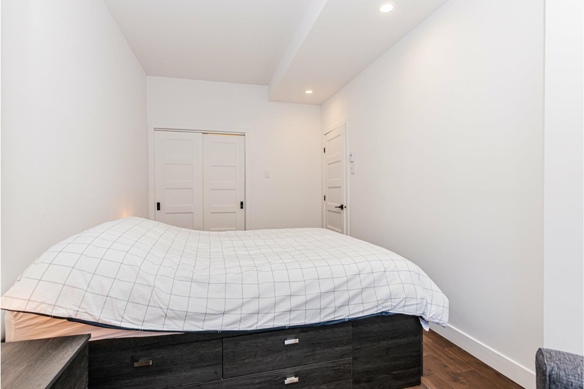 image 14 - Departamento Para alquiler Le Plateau-Mont-Royal Montréal  - 4 habitaciones