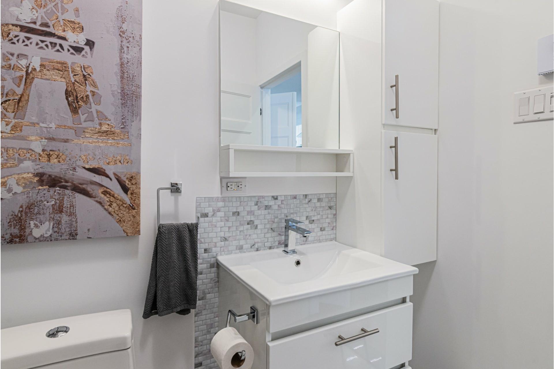 image 9 - Departamento Para alquiler Le Plateau-Mont-Royal Montréal  - 4 habitaciones