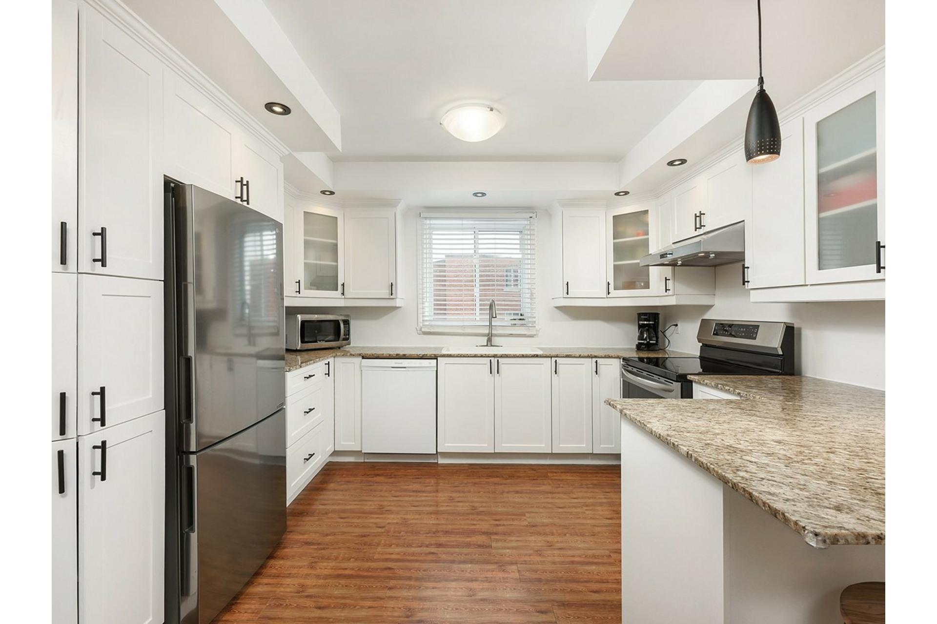 image 3 - Appartement À vendre Mercier/Hochelaga-Maisonneuve Montréal  - 9 pièces