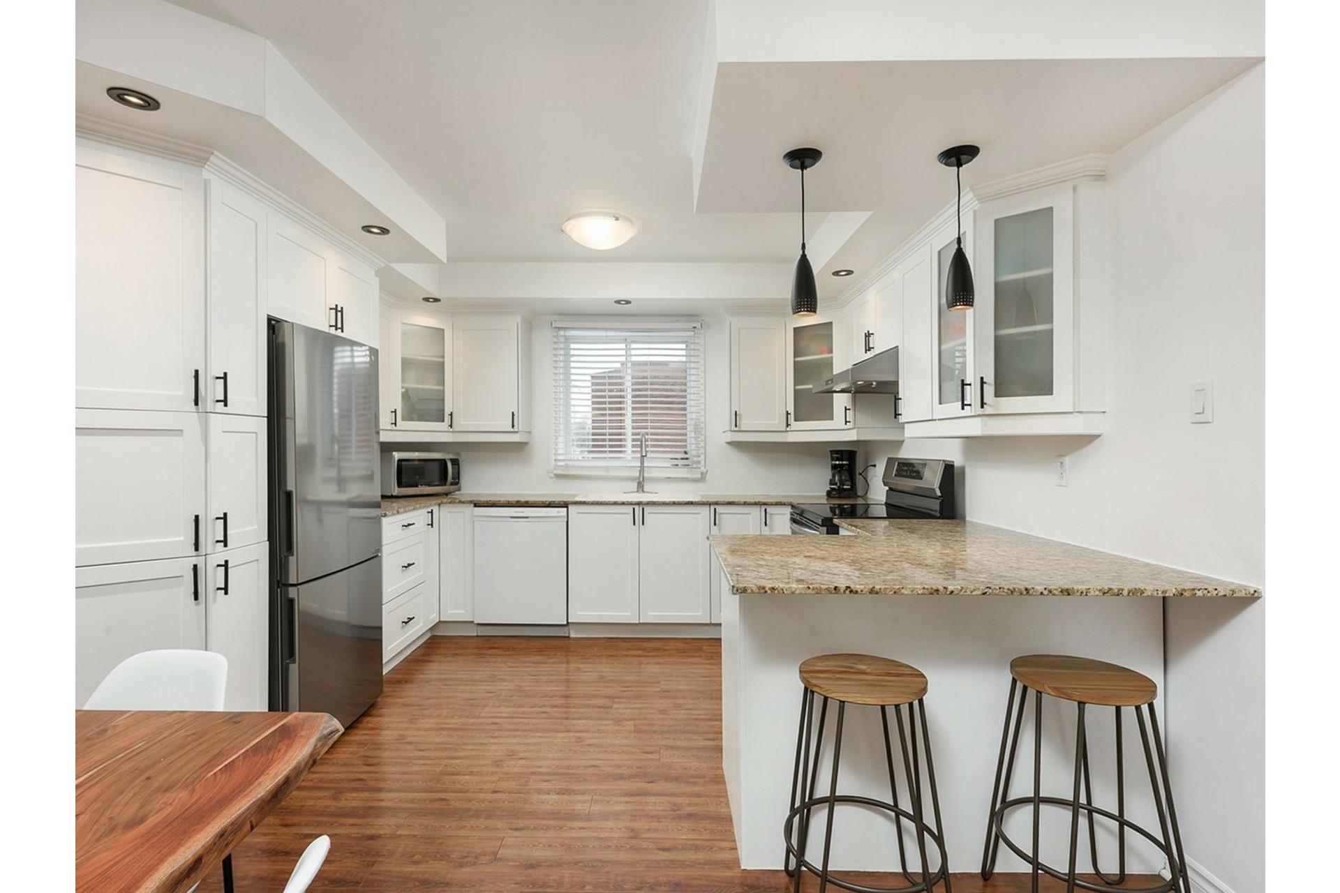 image 2 - Apartment For sale Mercier/Hochelaga-Maisonneuve Montréal  - 9 rooms