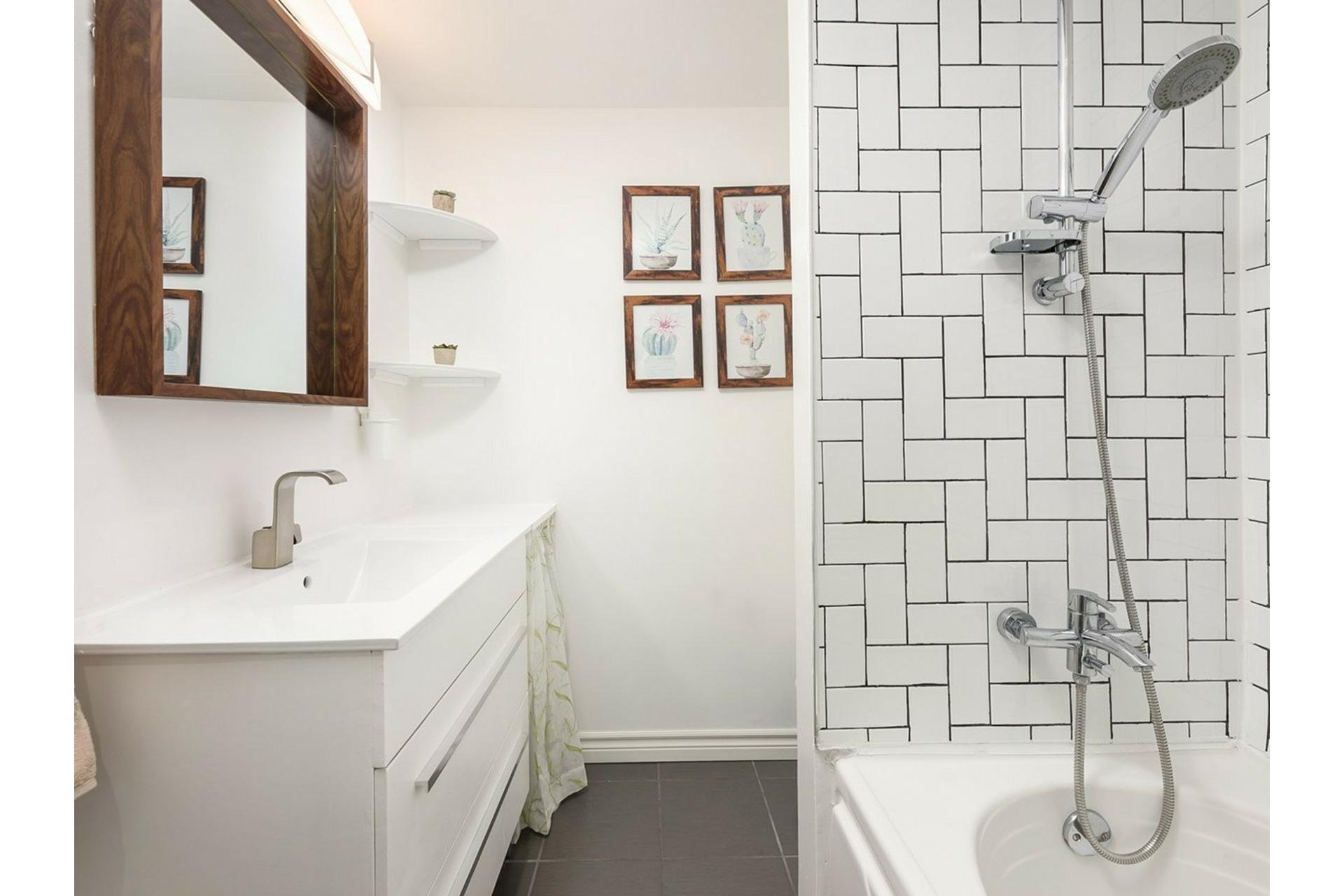 image 19 - Appartement À vendre Mercier/Hochelaga-Maisonneuve Montréal  - 9 pièces
