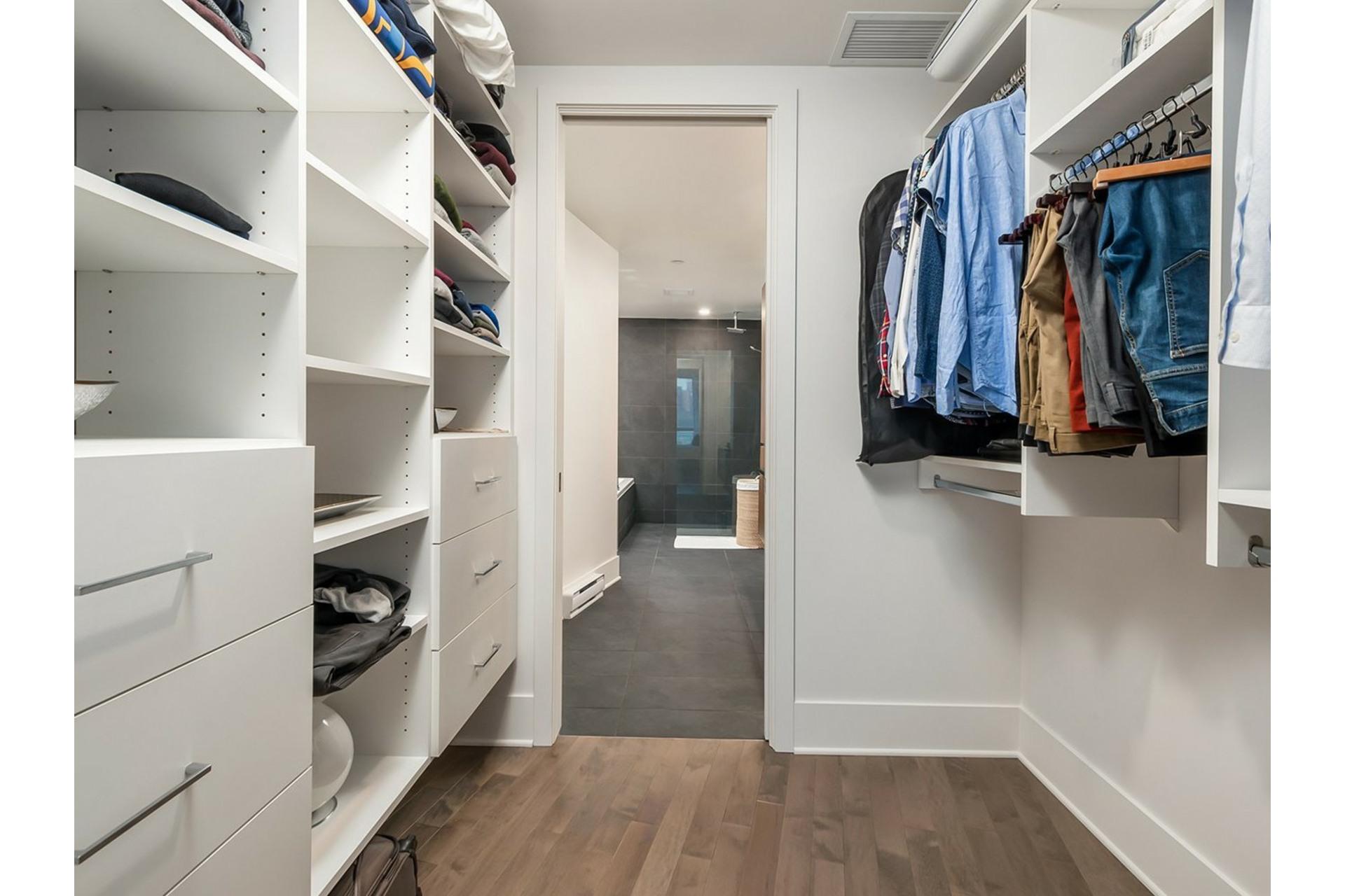 image 16 - Appartement À vendre Ville-Marie Montréal  - 8 pièces