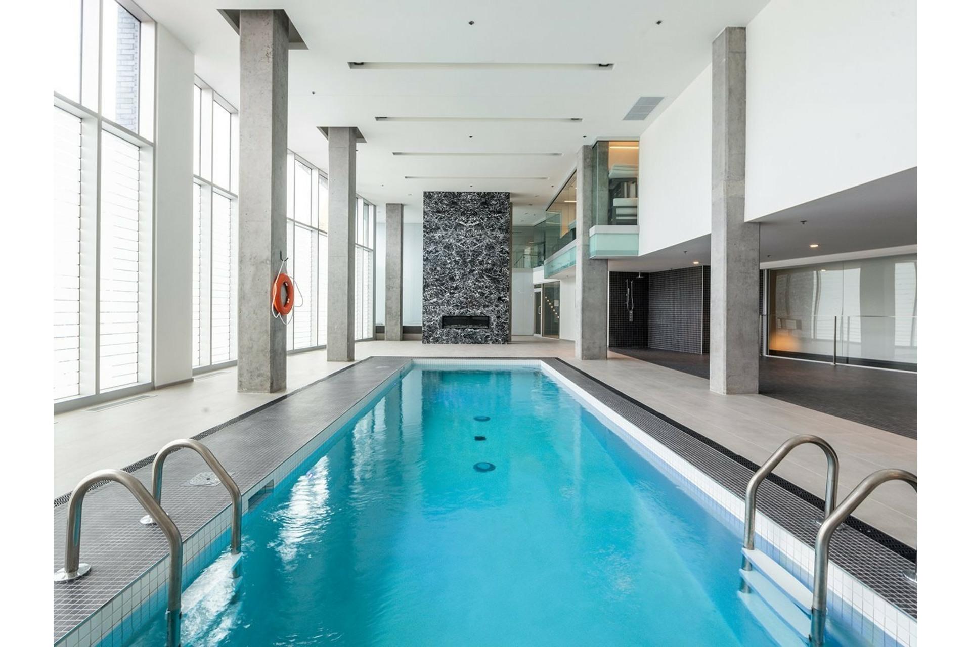 image 33 - Appartement À vendre Ville-Marie Montréal  - 8 pièces