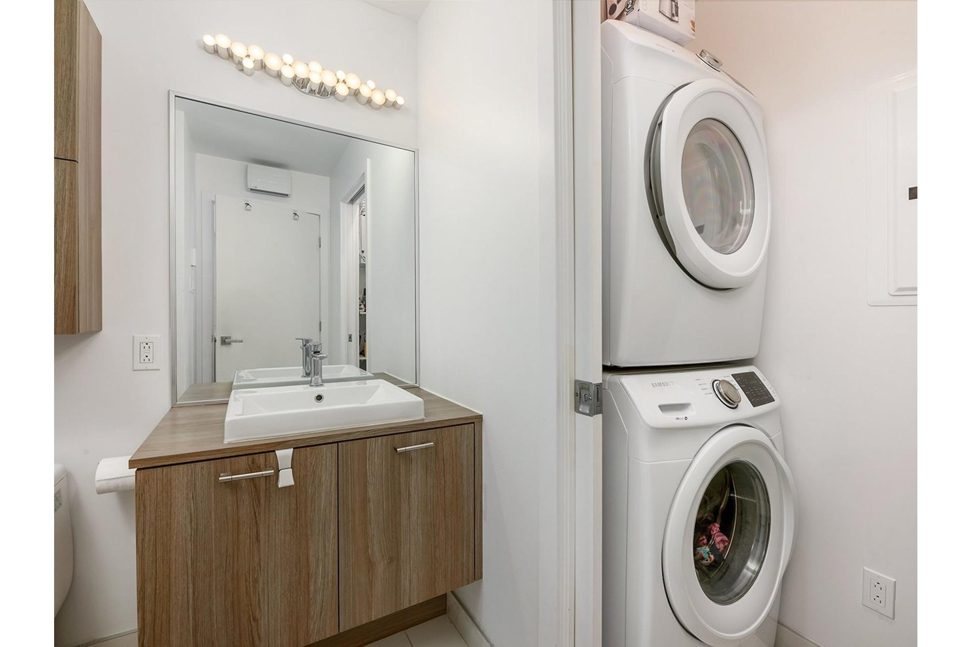 image 23 - Appartement À vendre Ville-Marie Montréal  - 5 pièces