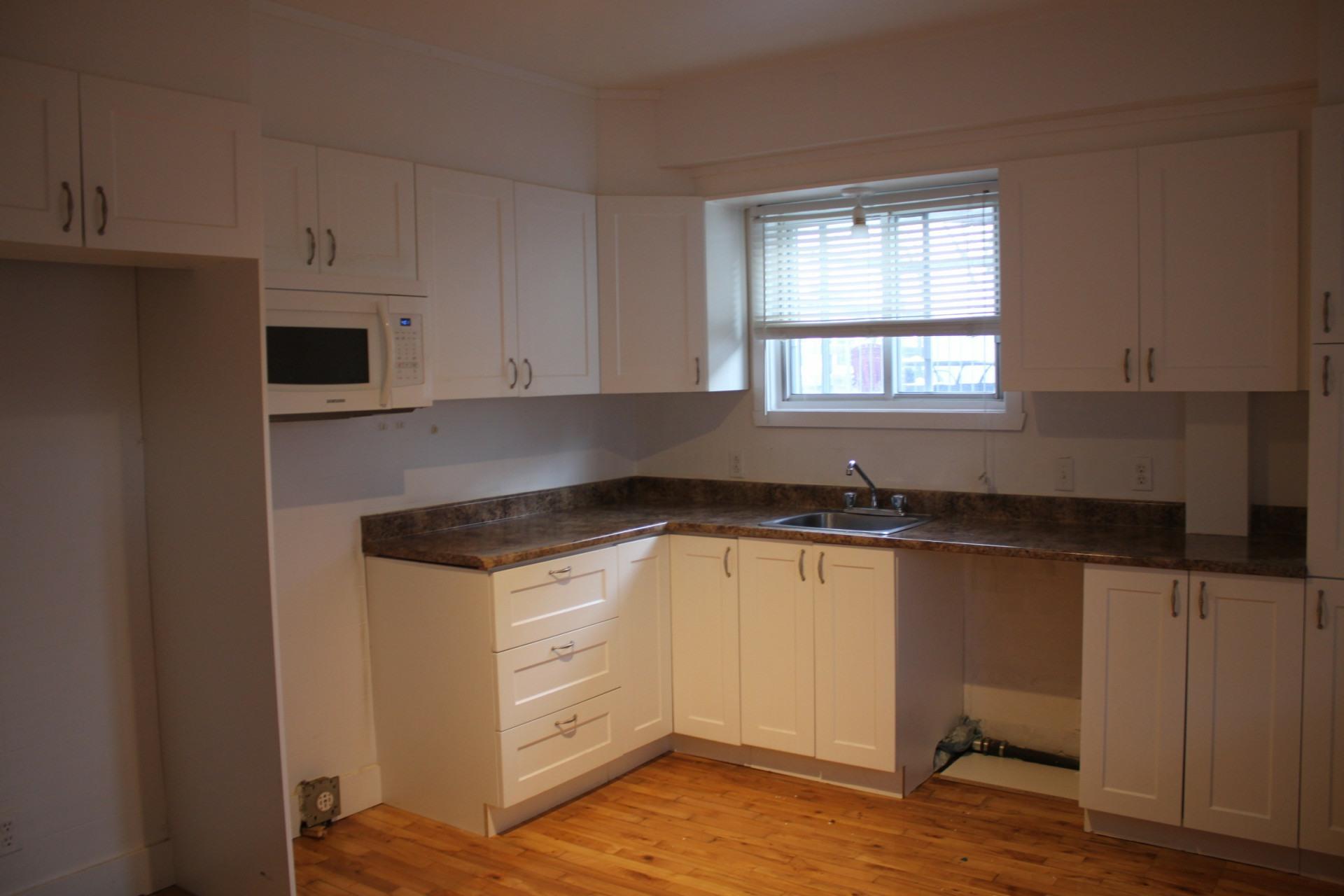 image 8 - Apartment For rent Montréal Mercier - 3 rooms