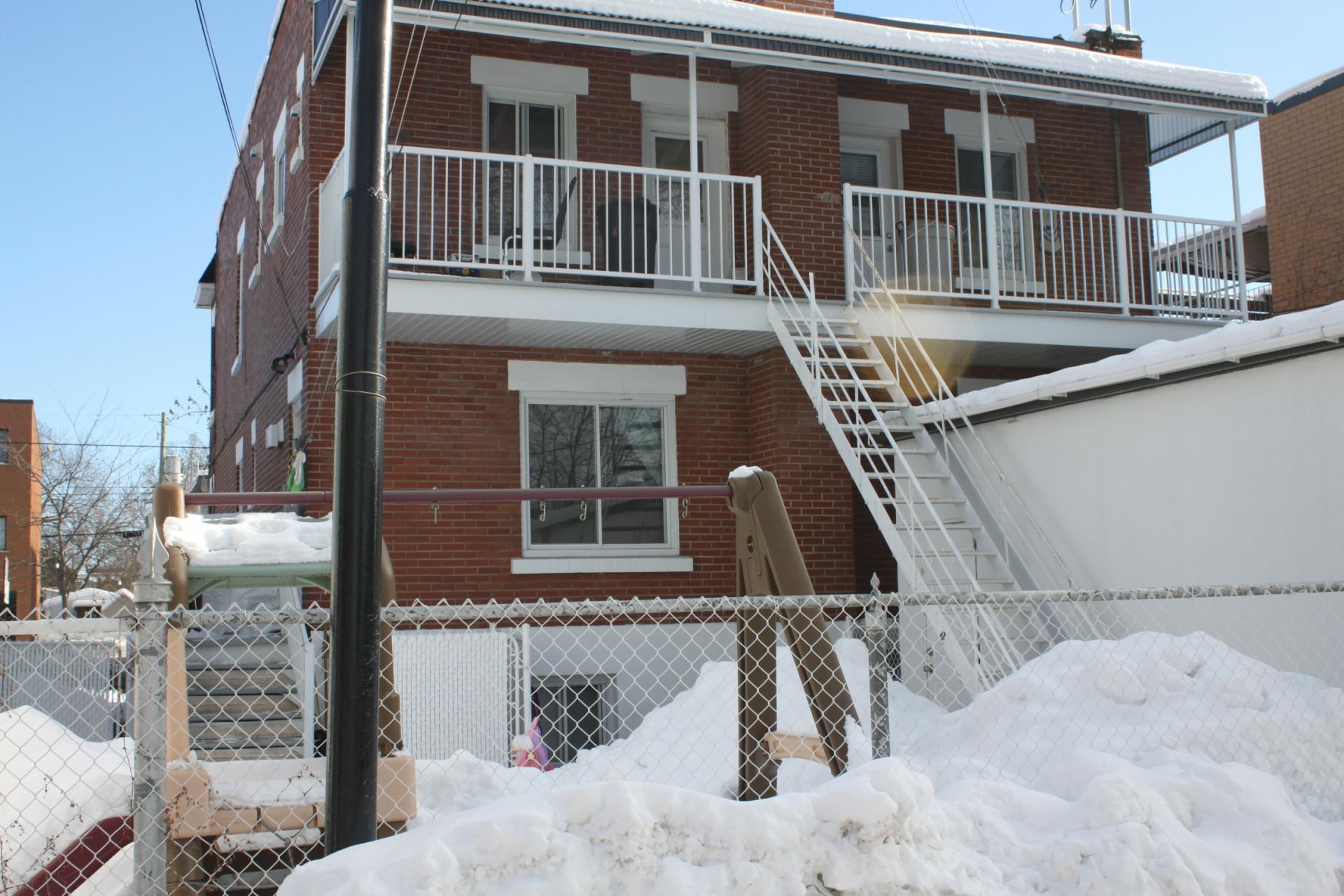 image 2 - Apartment For rent Montréal Mercier - 3 rooms