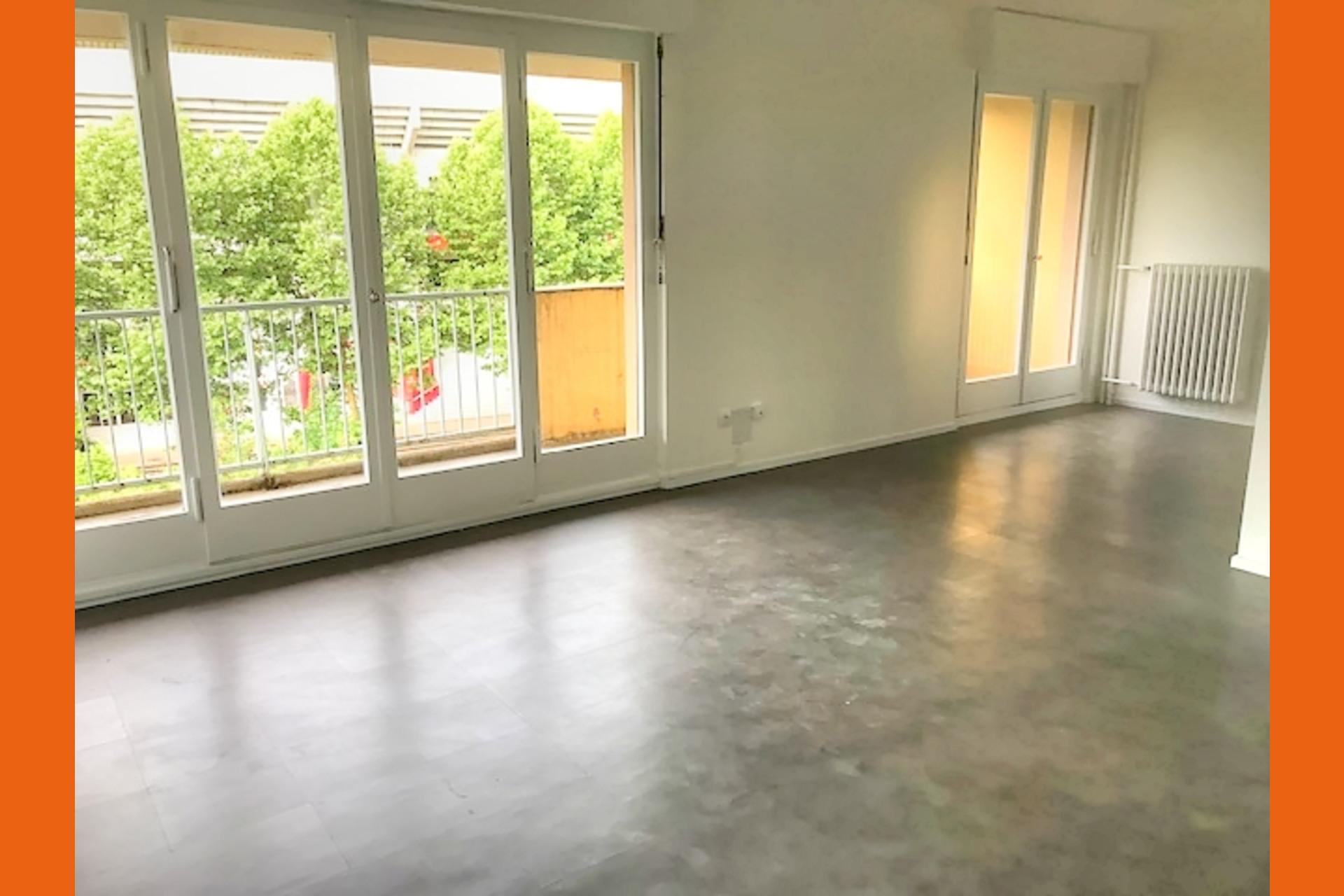 image 0 - Appartement À vendre Longeville-lès-Metz - 4 pièces