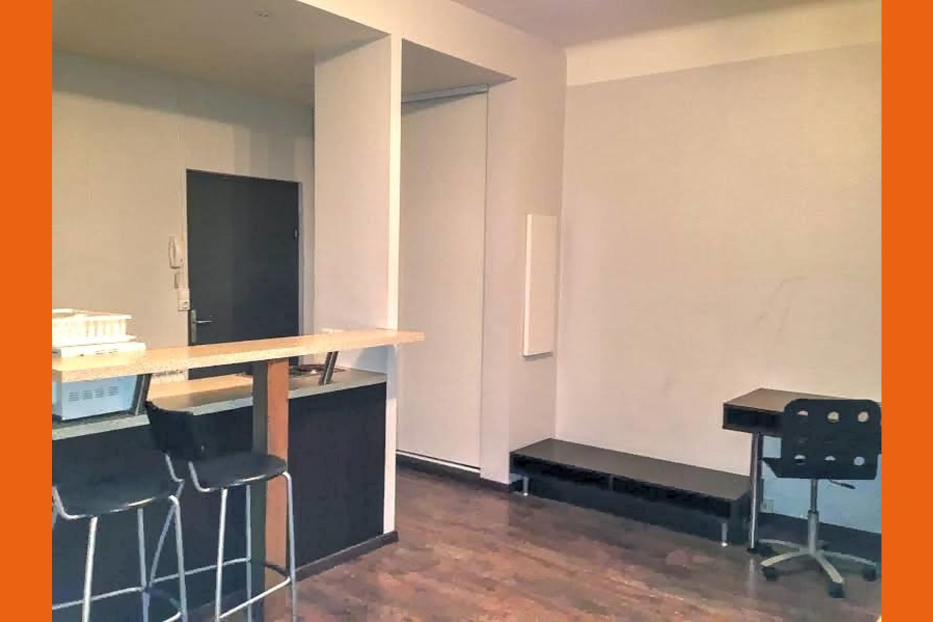 image 0 - Appartement À louer Le Ban-Saint-Martin - 1 pièce
