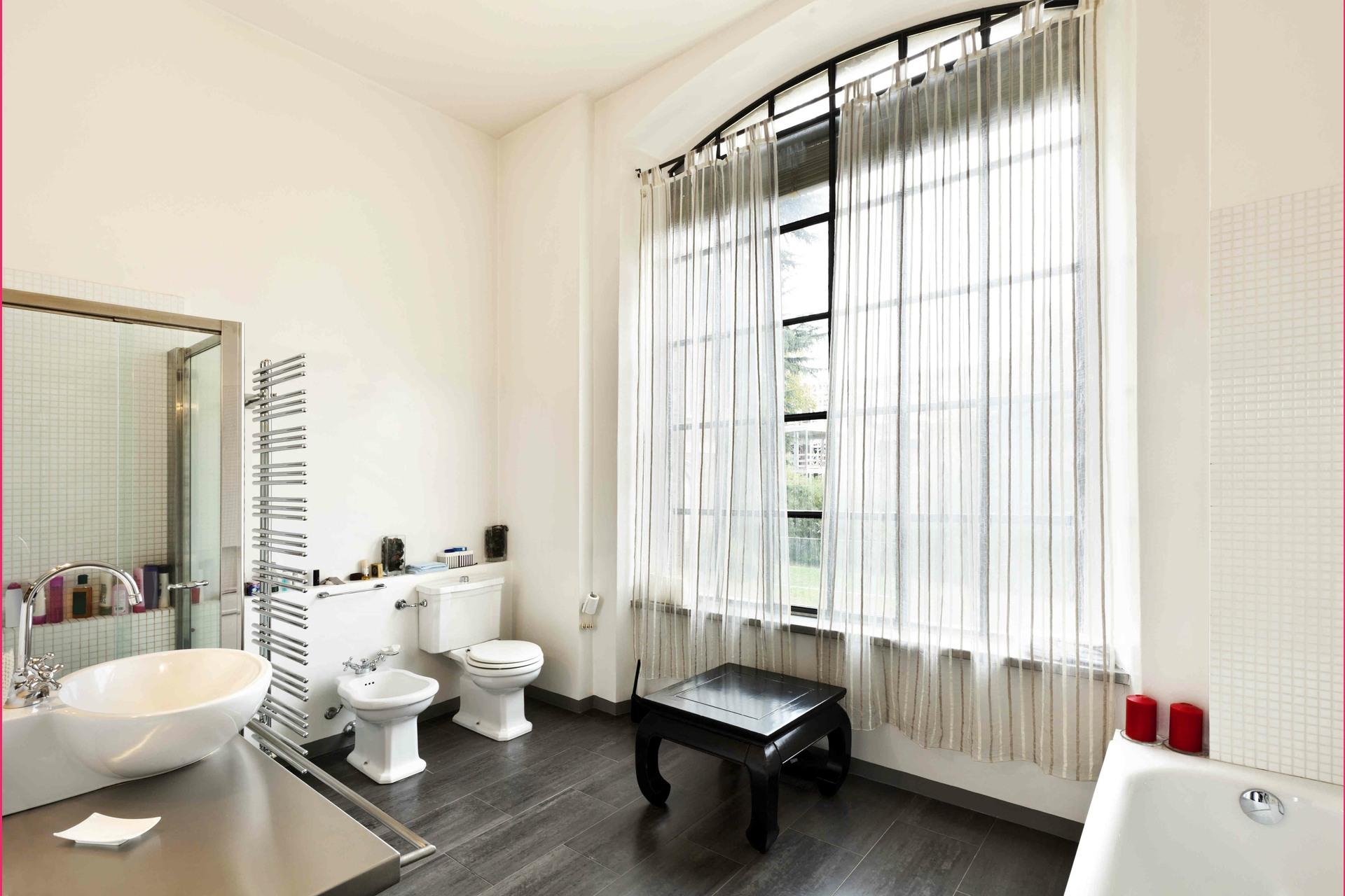 image 1 - Appartement À vendre Montréal Ville-Marie - 7 pièces