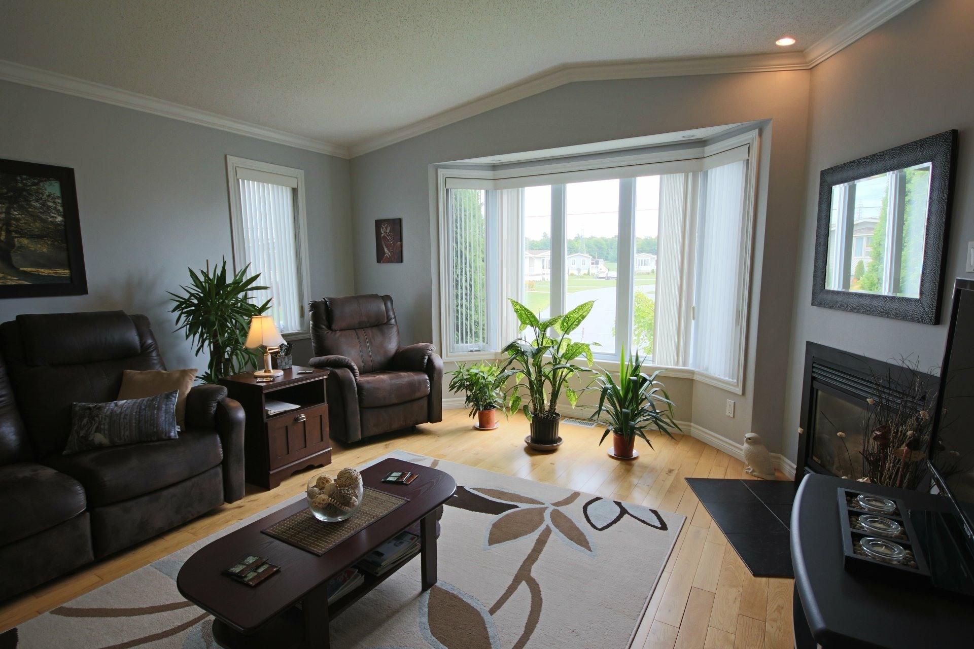 image 2 - Maison À vendre Sainte-Angèle-de-Monnoir - 7 pièces
