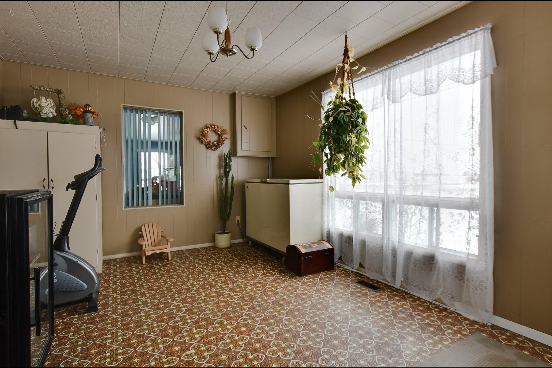 image 5 - Maison À vendre Saint-Sébastien - 11 pièces