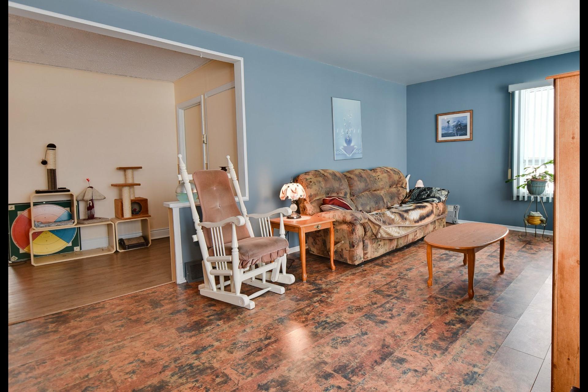 image 4 - Maison À vendre Saint-Sébastien - 11 pièces