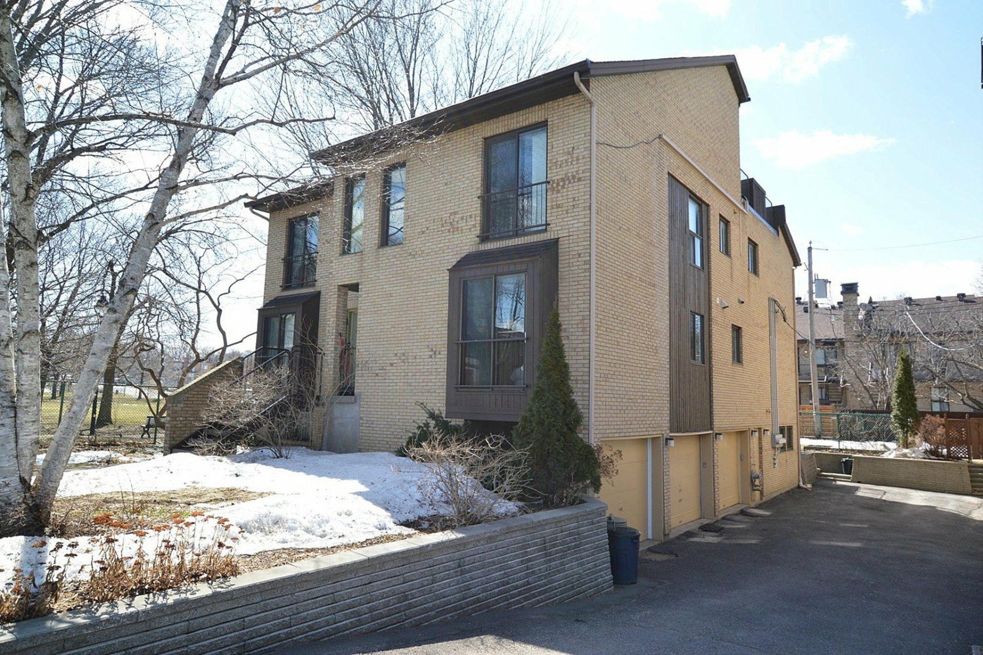 image 22 - Appartement À vendre Montréal Ahuntsic-Cartierville  - 7 pièces