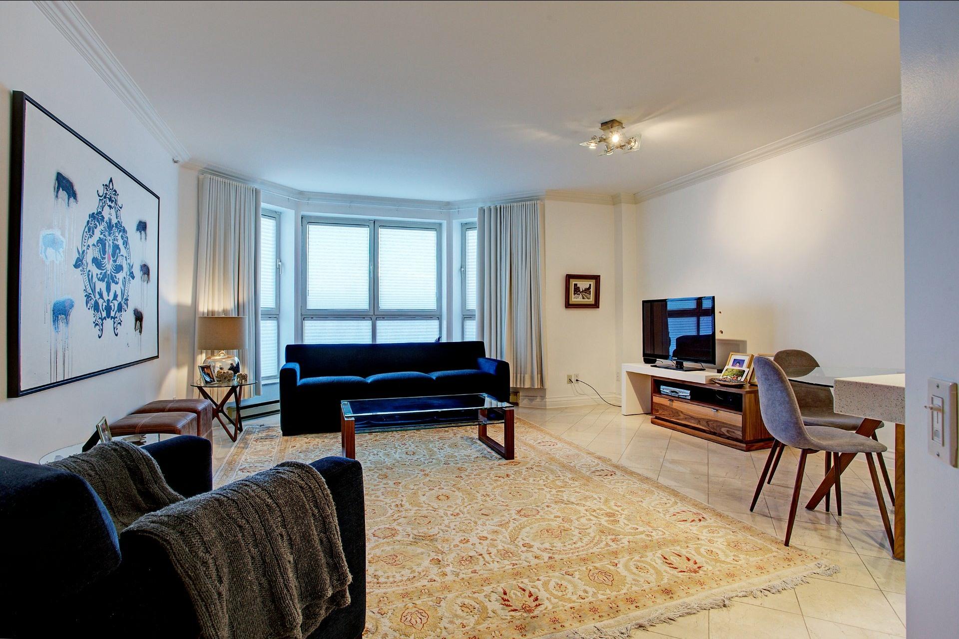 image 10 - Appartement À louer Montréal Ville-Marie  - 4 pièces