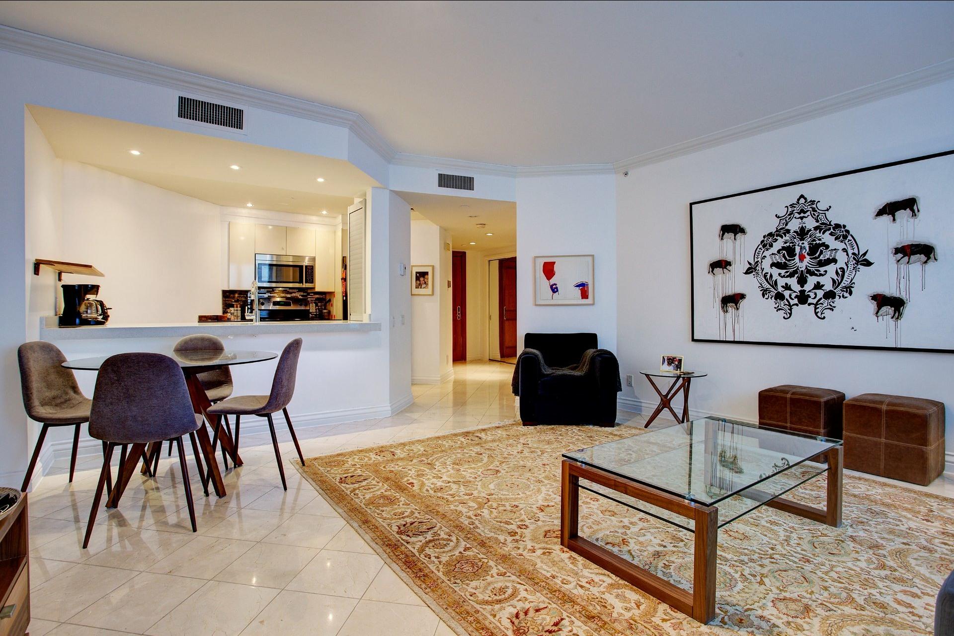 image 7 - Appartement À louer Montréal Ville-Marie  - 4 pièces
