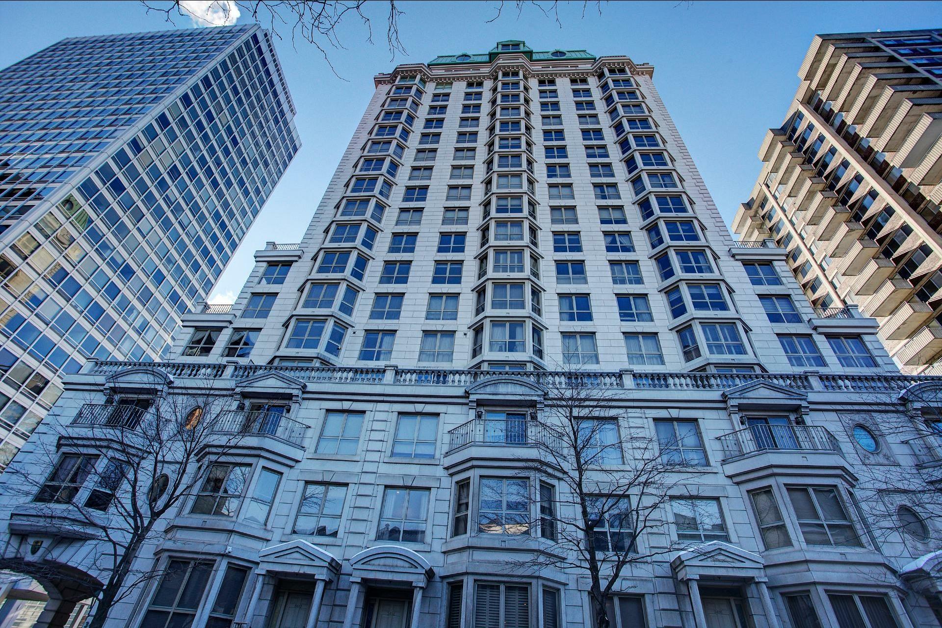 image 1 - Appartement À louer Montréal Ville-Marie  - 4 pièces
