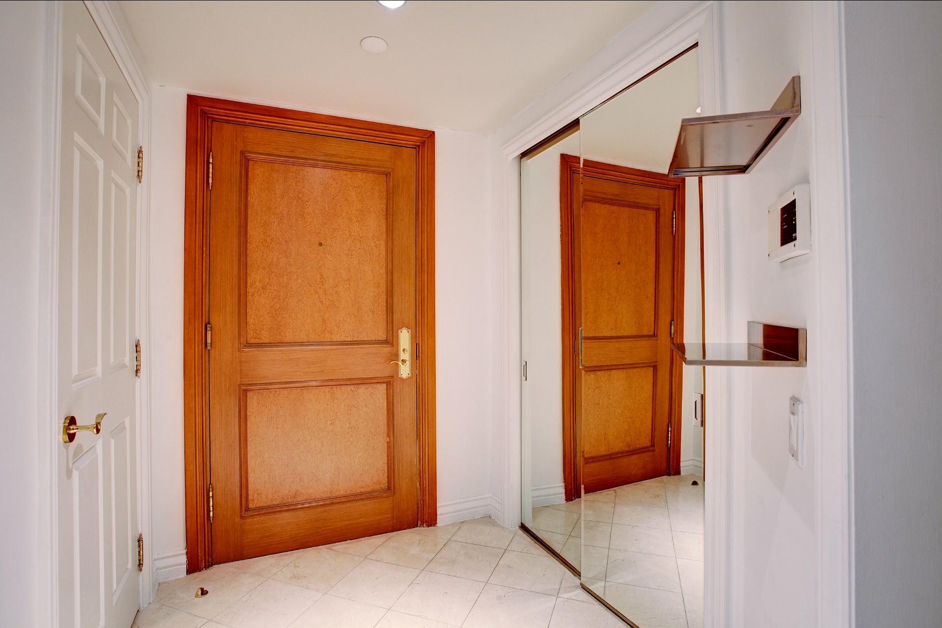 image 6 - Appartement À louer Montréal Ville-Marie  - 4 pièces