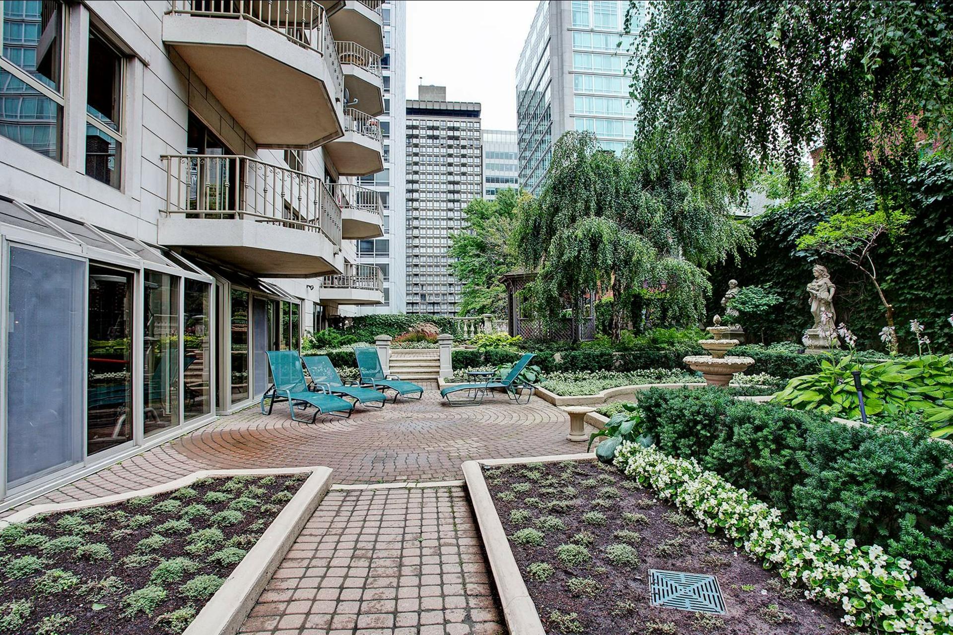 image 19 - Appartement À louer Montréal Ville-Marie  - 4 pièces