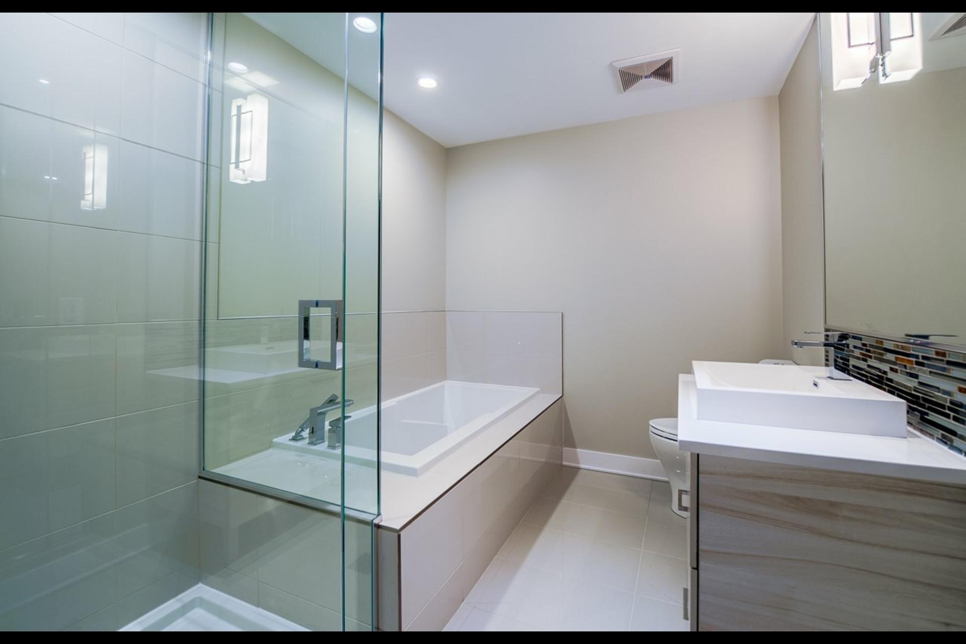 image 9 - Appartement À louer Montréal Rosemont/La Petite-Patrie  - 4 pièces