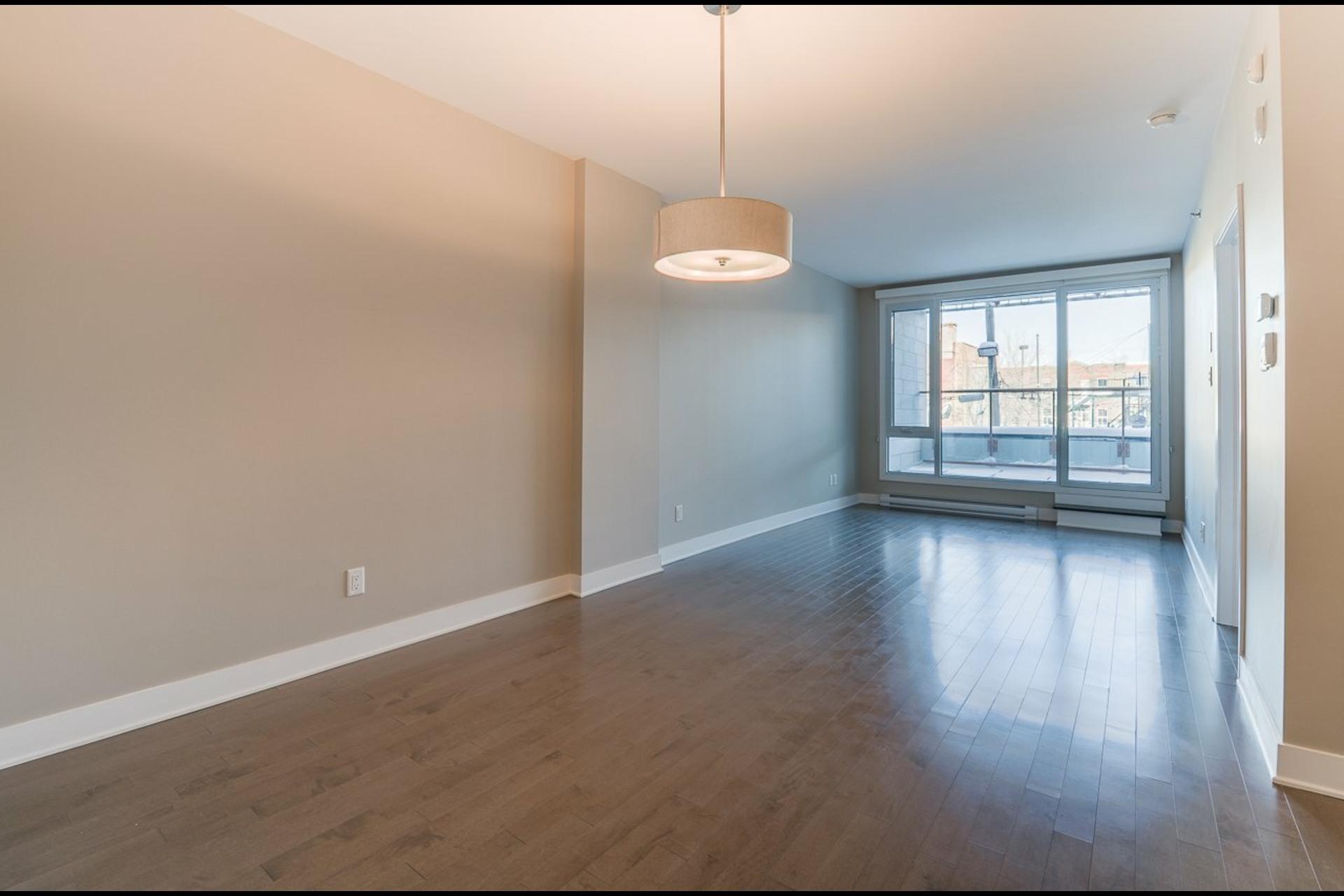 image 1 - Appartement À louer Montréal Rosemont/La Petite-Patrie  - 4 pièces