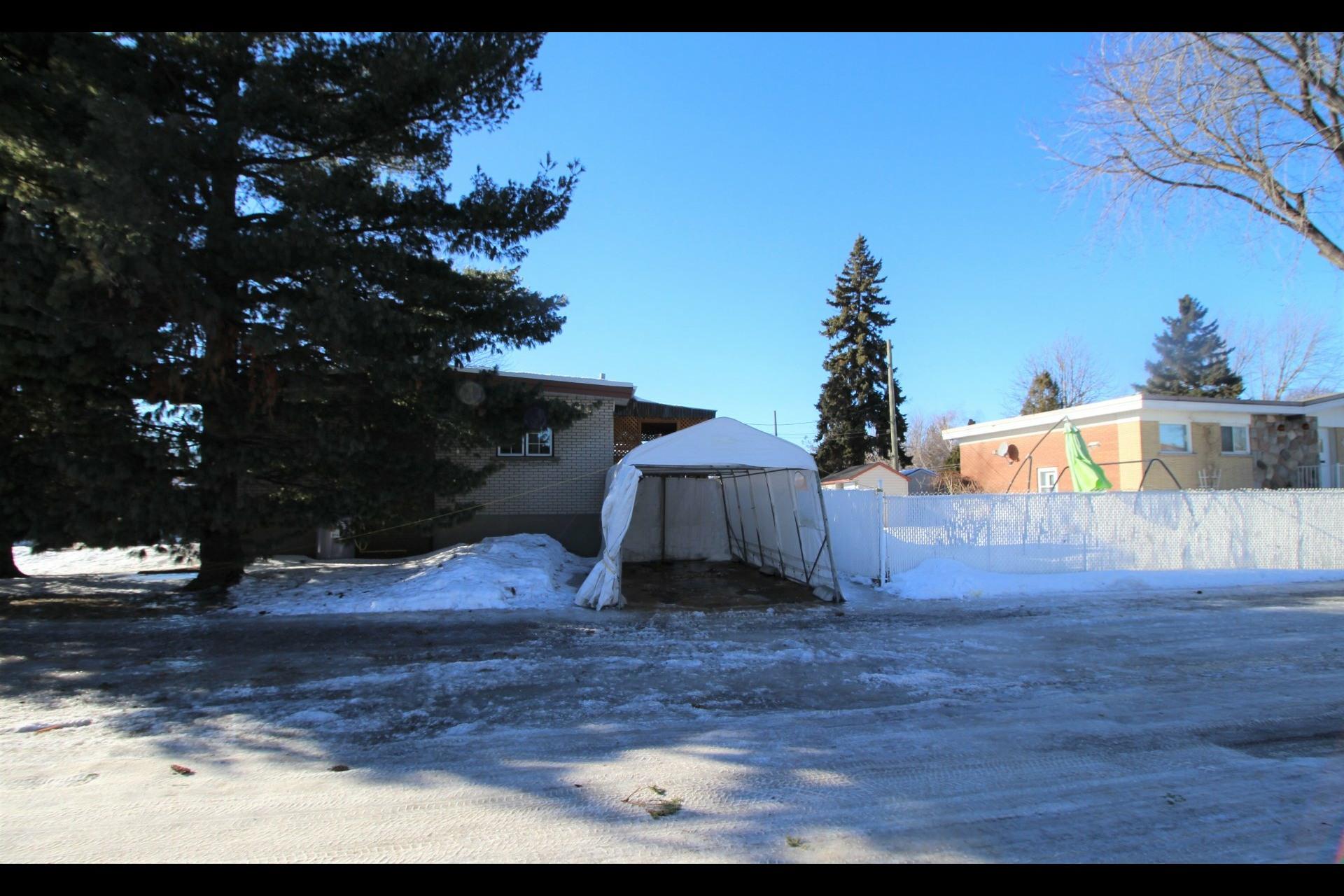 image 21 - Maison À vendre Montréal Rivière-des-Prairies/Pointe-aux-Trembles  - 11 pièces