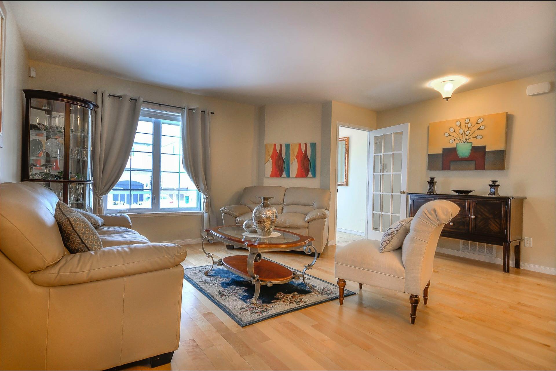 image 4 - Maison À vendre Laval Fabreville  - 15 pièces