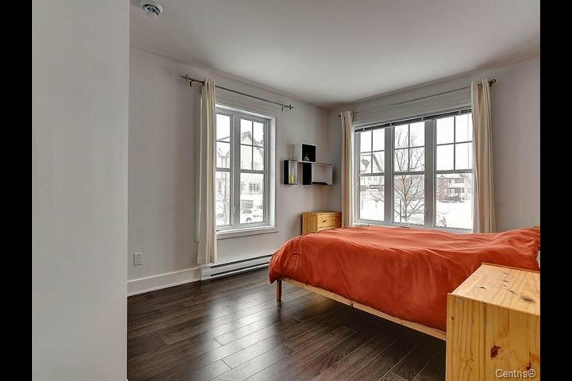 image 7 - Appartement À louer Mont-Saint-Hilaire - 9 pièces