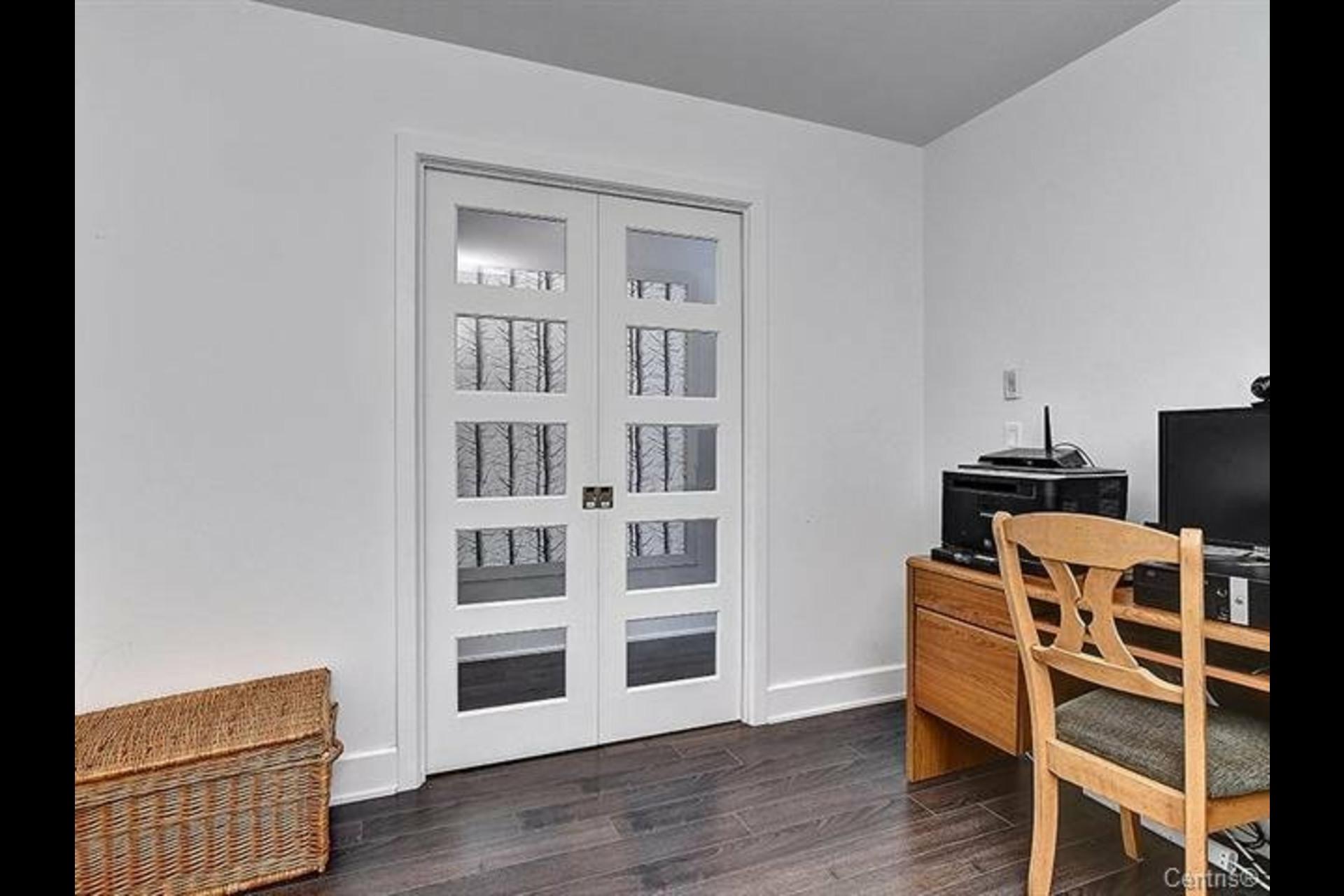 image 13 - Appartement À louer Mont-Saint-Hilaire - 9 pièces