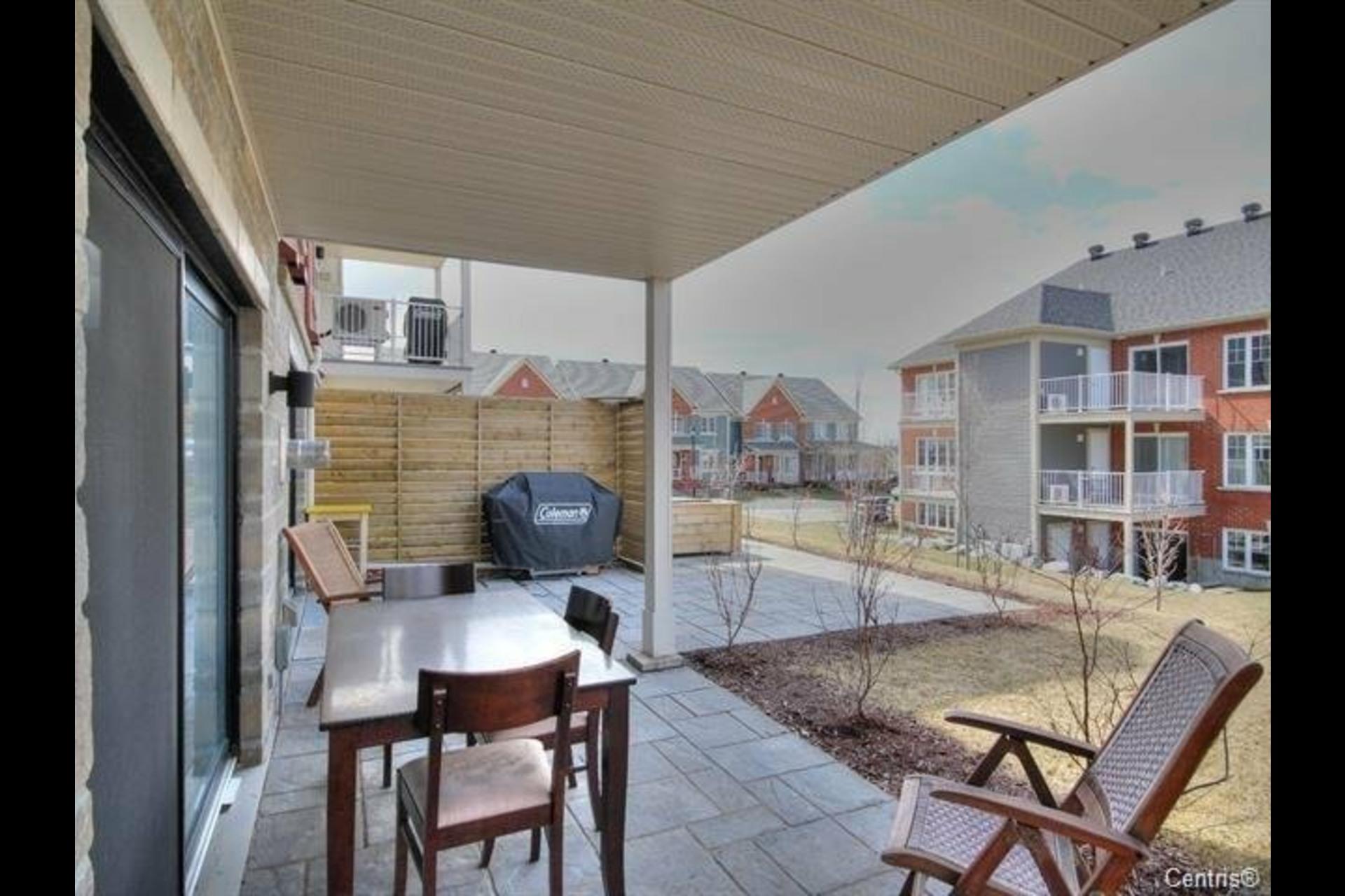 image 17 - Appartement À louer Mont-Saint-Hilaire - 9 pièces