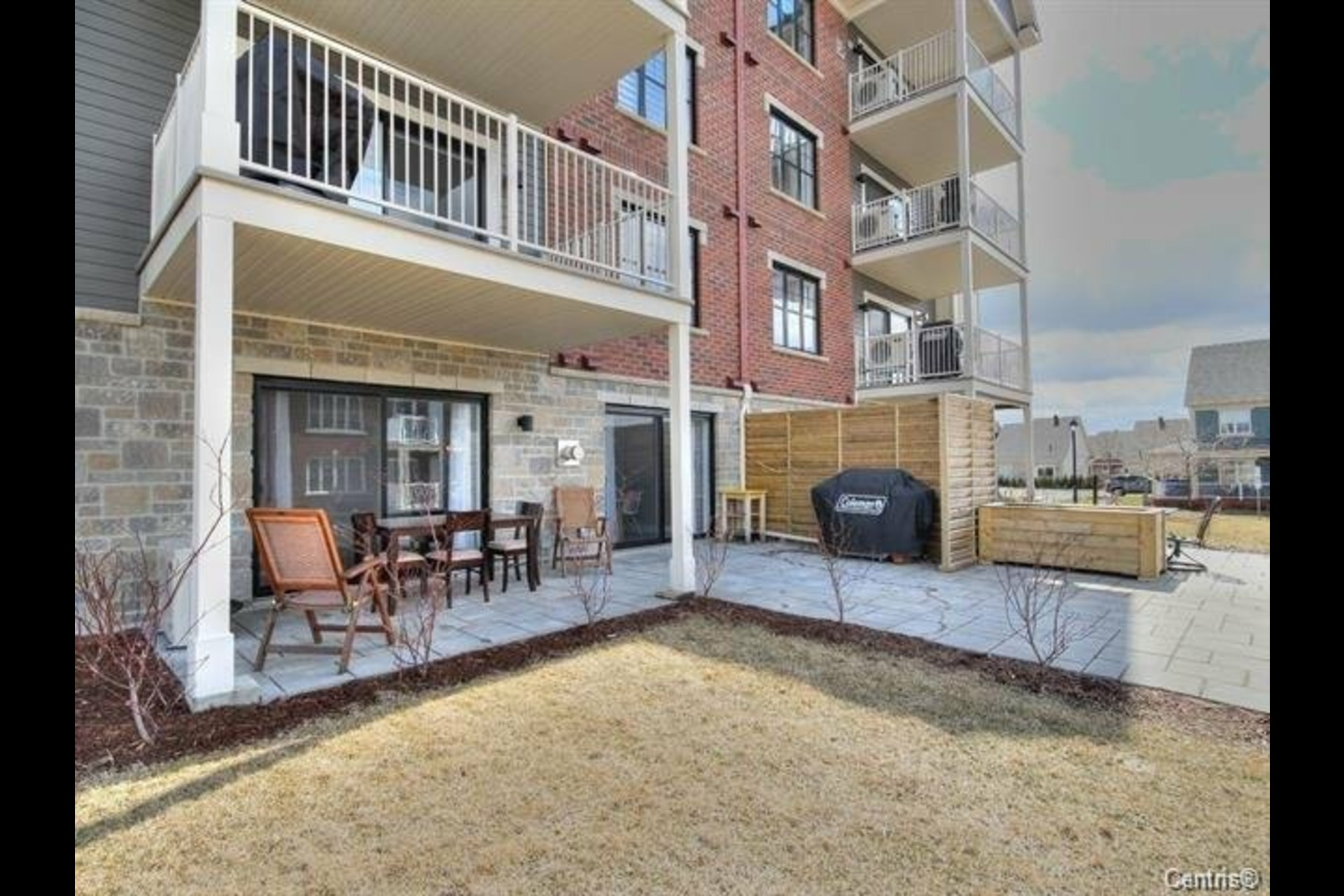 image 16 - Appartement À louer Mont-Saint-Hilaire - 9 pièces