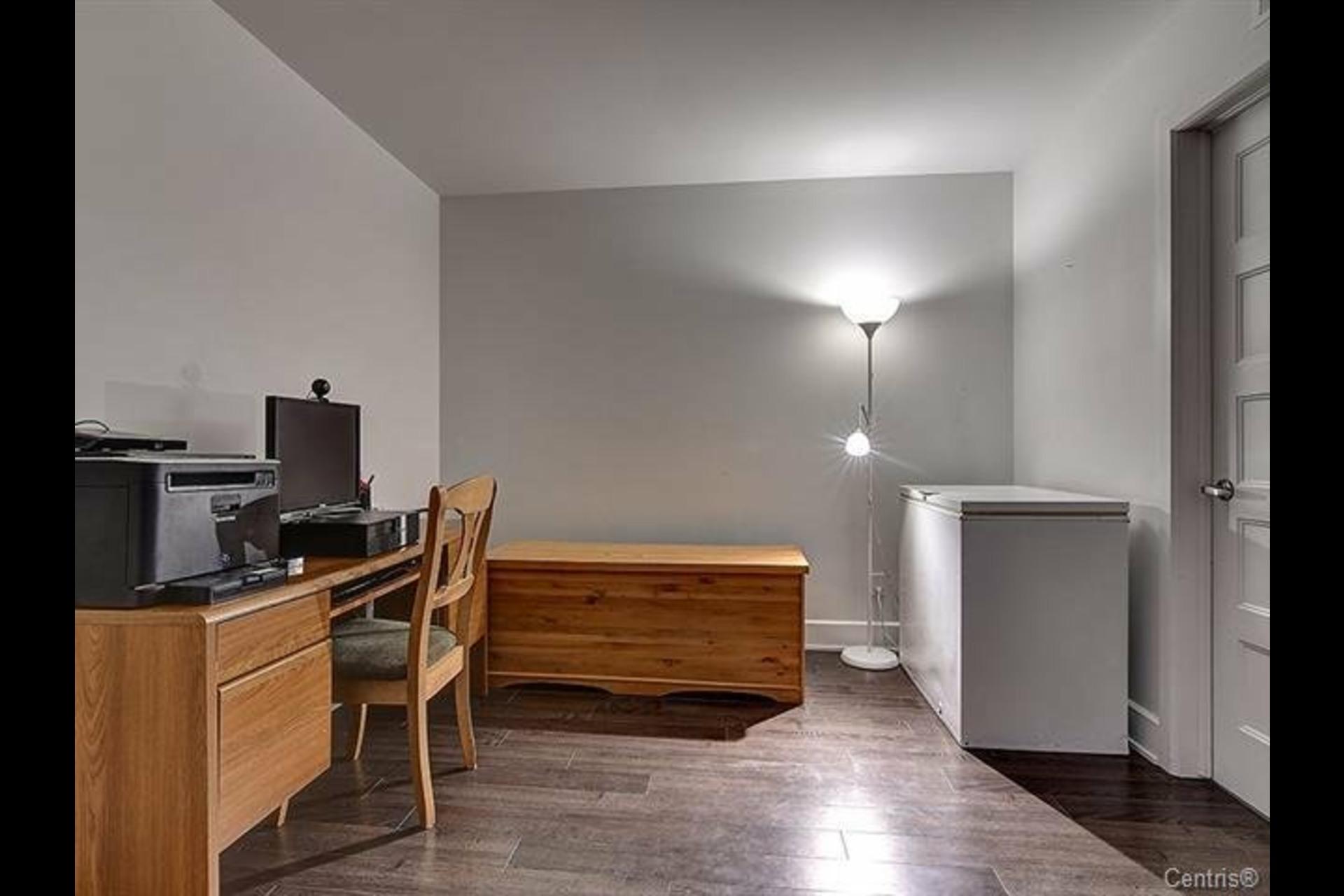 image 12 - Appartement À louer Mont-Saint-Hilaire - 9 pièces